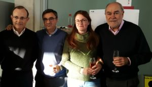 Javier Casanova y May García, en el centro de la imagen, junto a los dos directores que ha tenido el IBMC