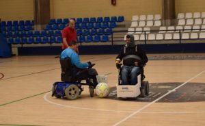 26-05-17-colaboración rois medical equipo silla ruedas