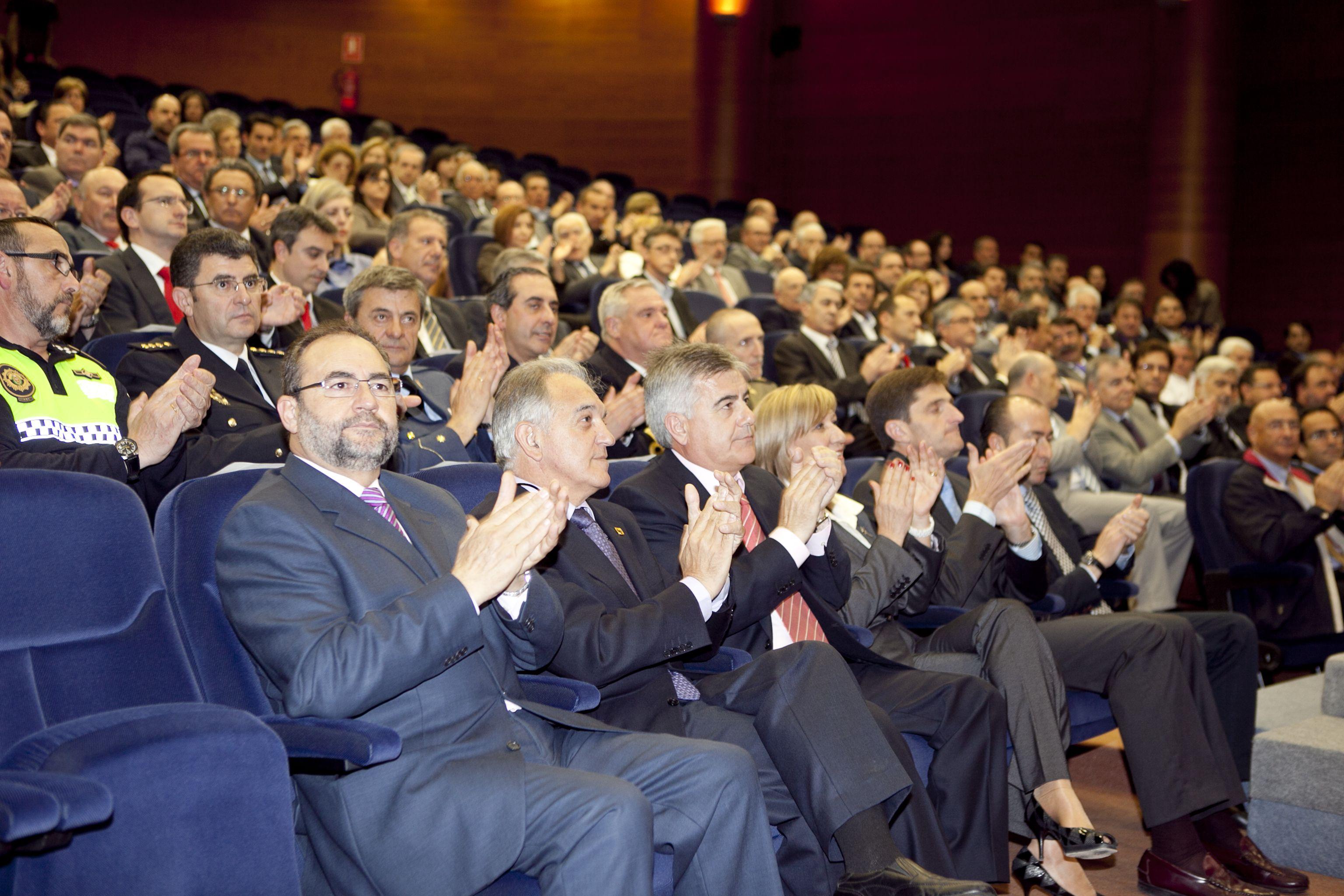 umh-diplomas-rector_mg_6451.jpg