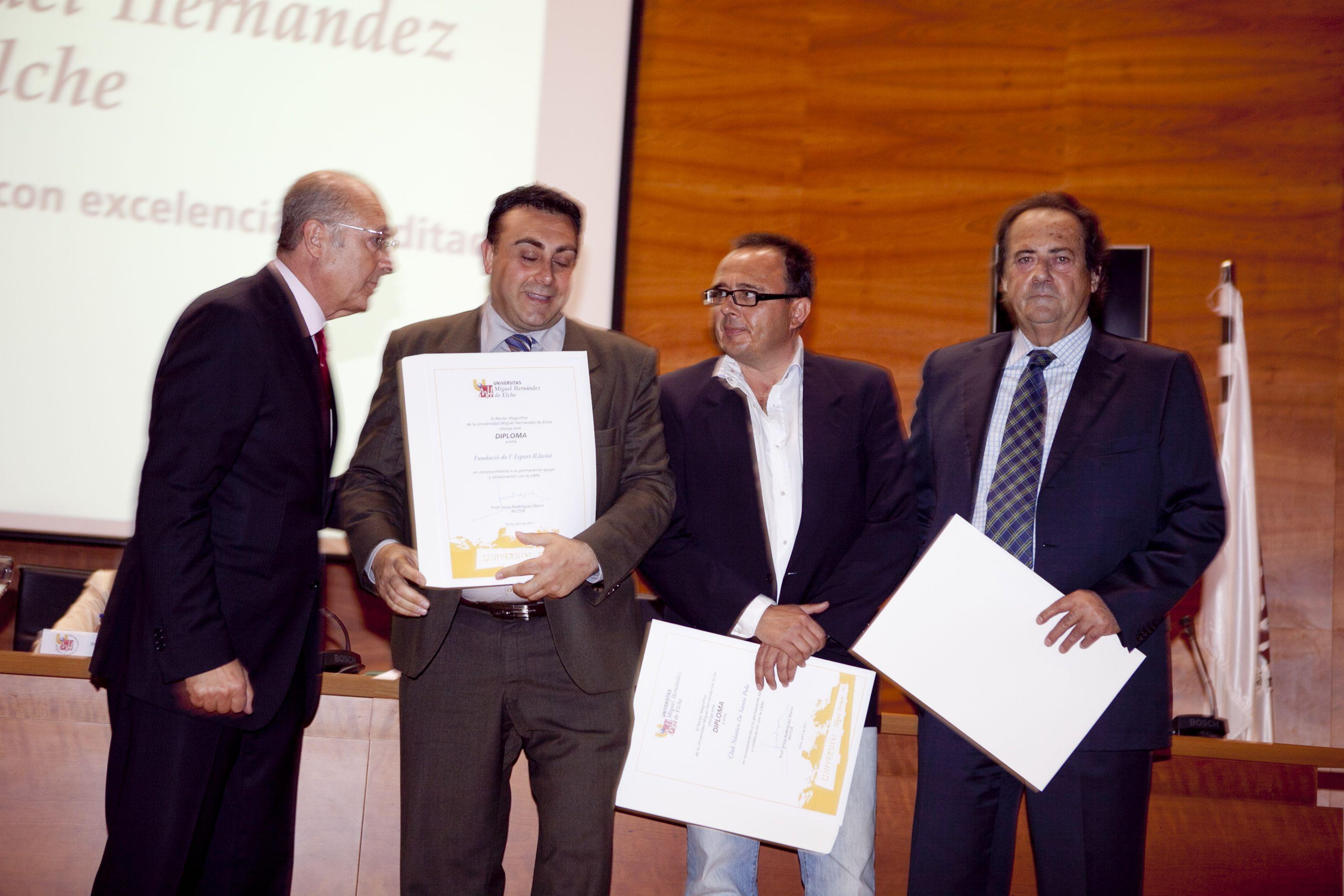 umh-diplomas-rector_mg_6495.jpg