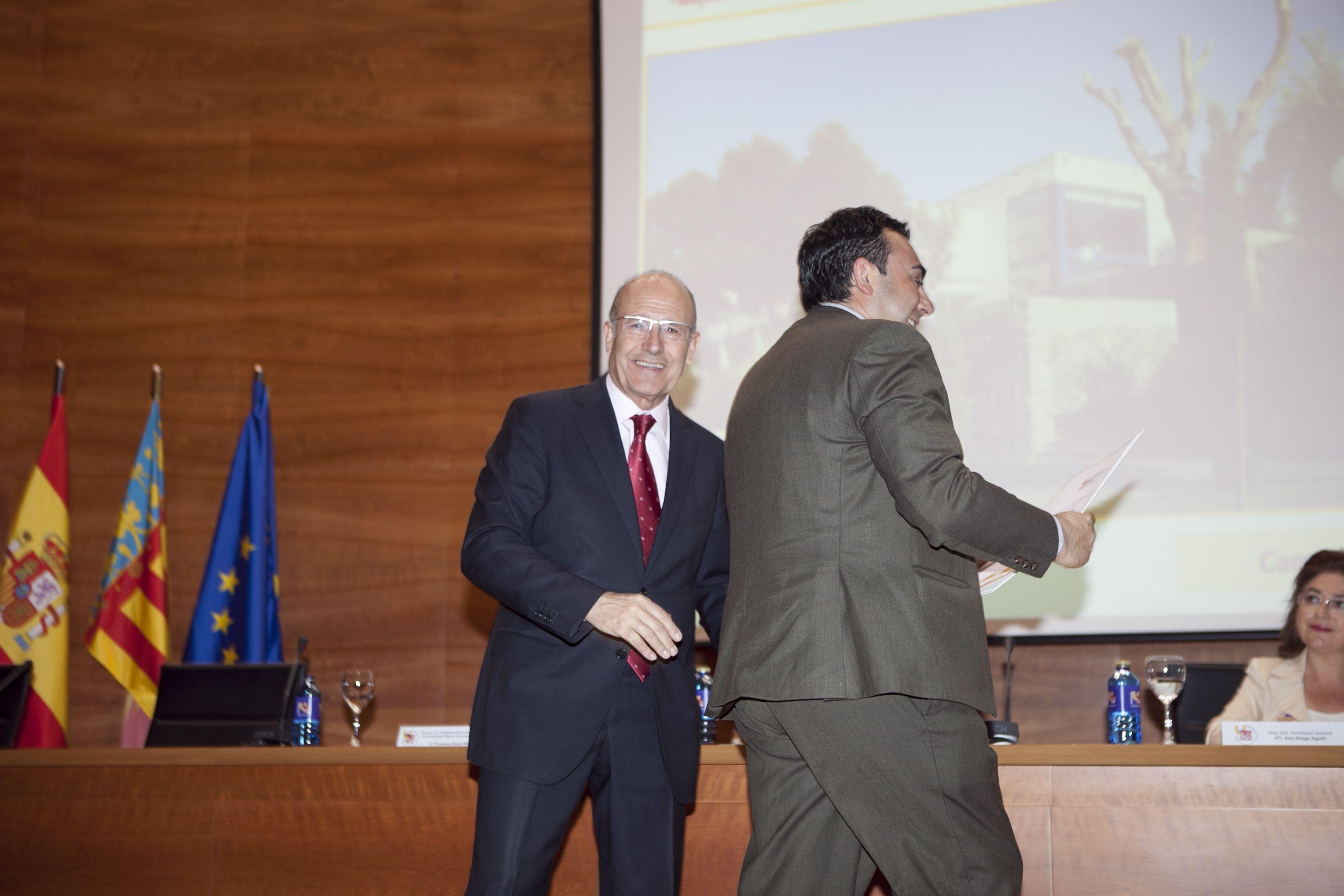 umh-diplomas-rector_mg_6509.jpg
