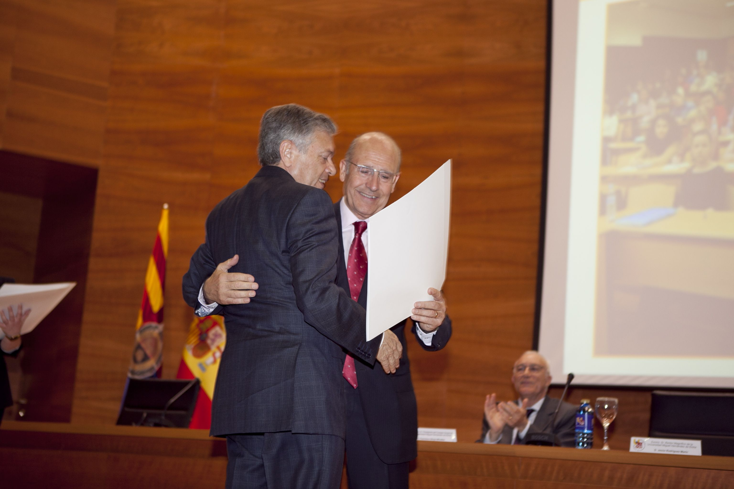 umh-diplomas-rector_mg_6512.jpg