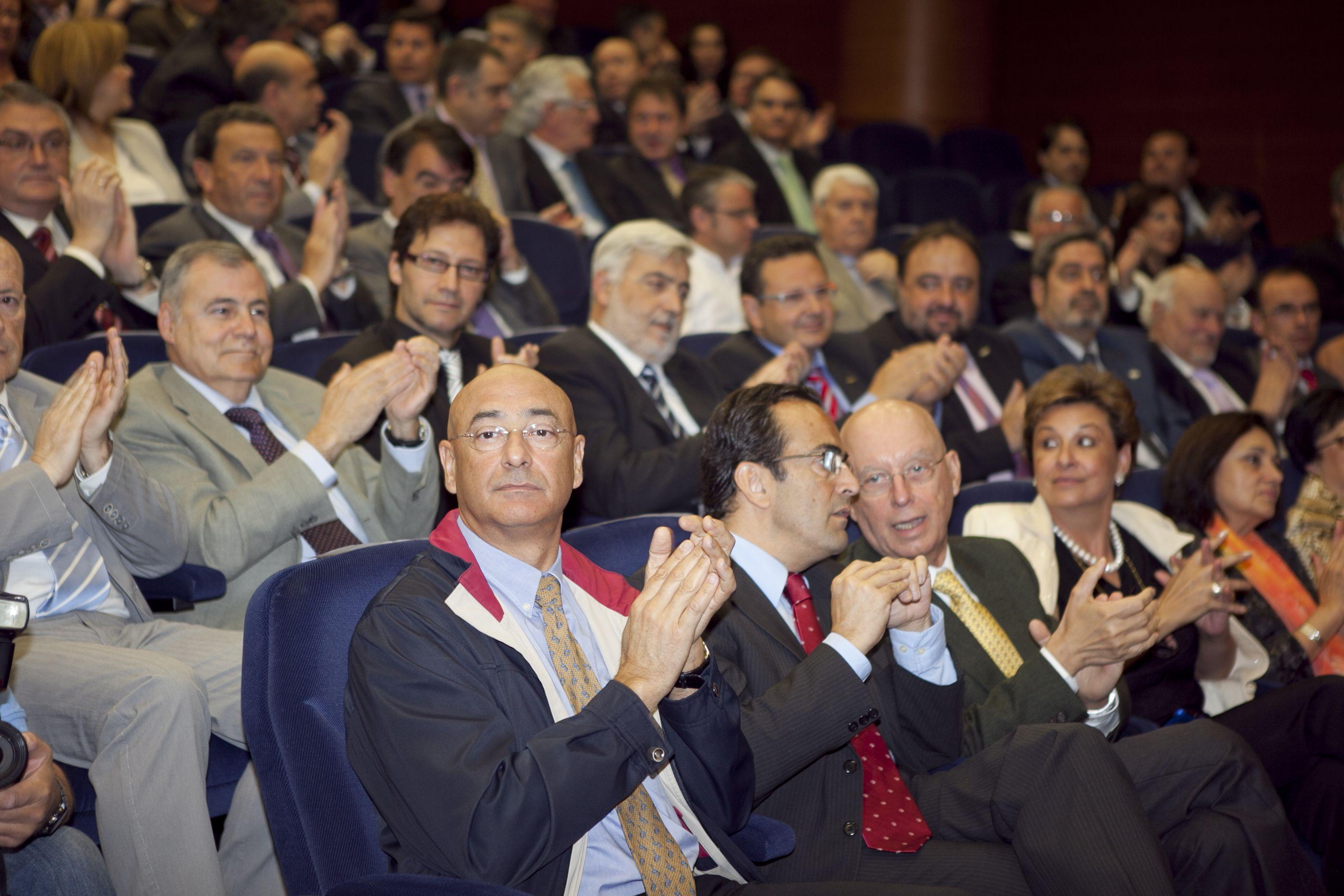 umh-diplomas-rector_mg_6514.jpg