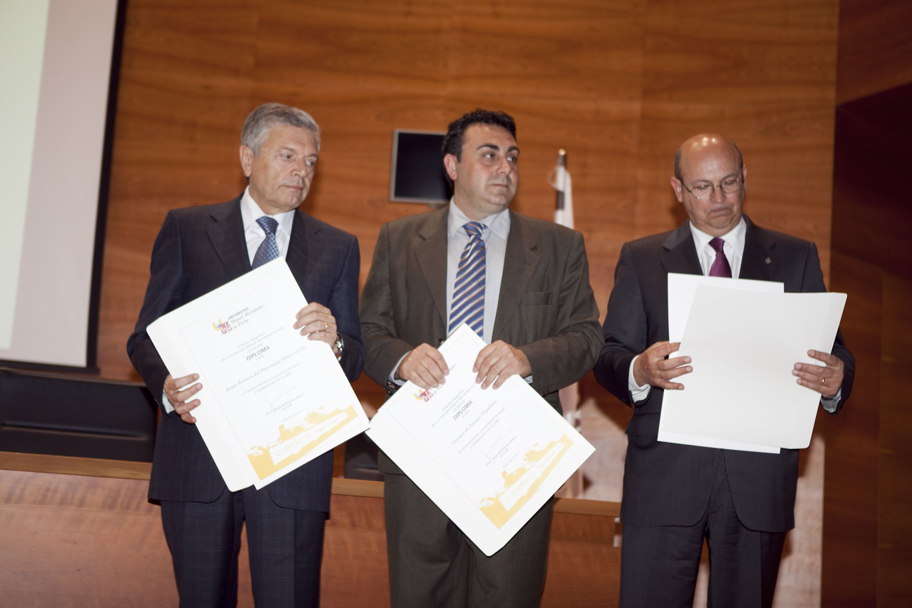 umh-diplomas-rector_mg_6523.jpg