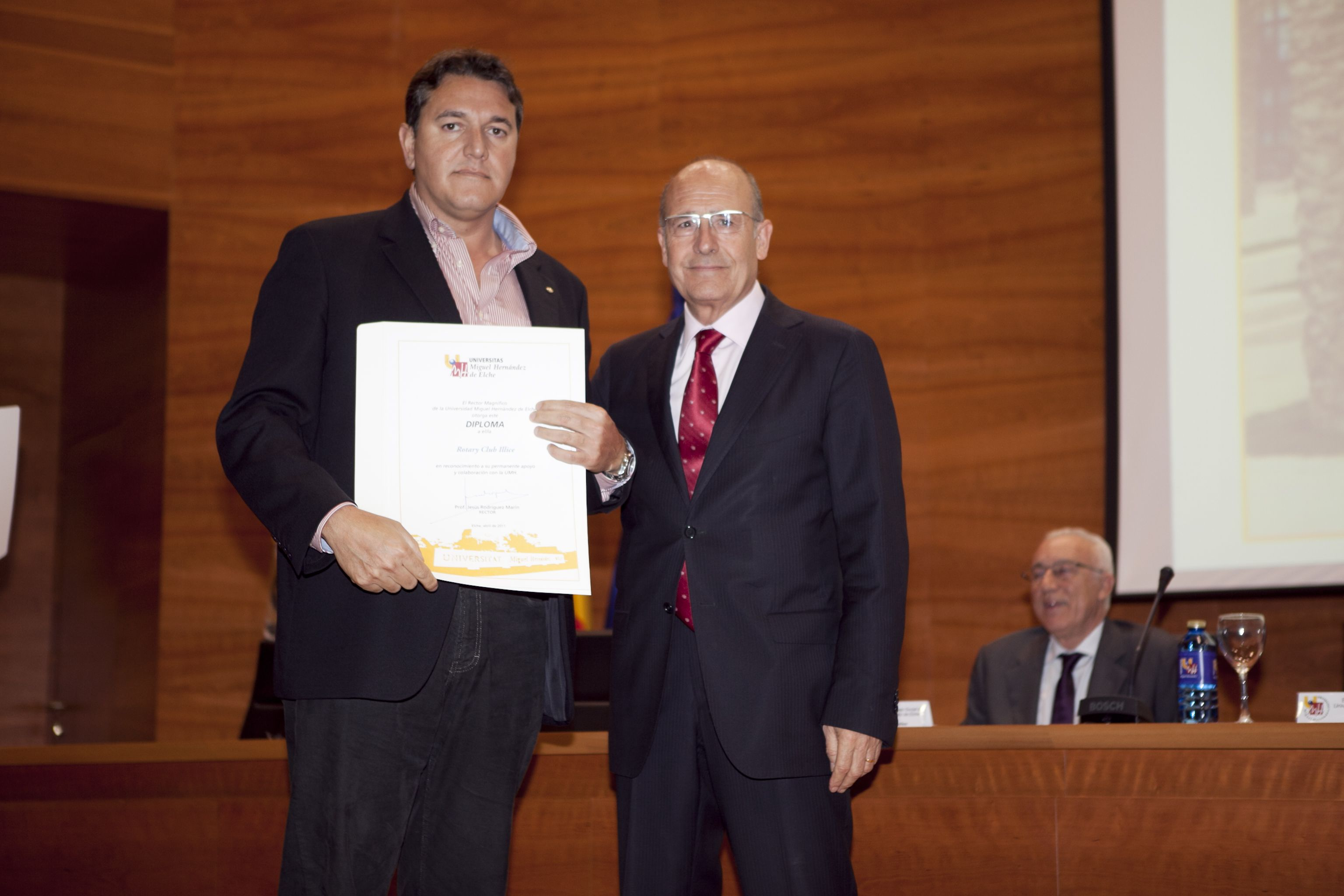 umh-diplomas-rector_mg_6529.jpg