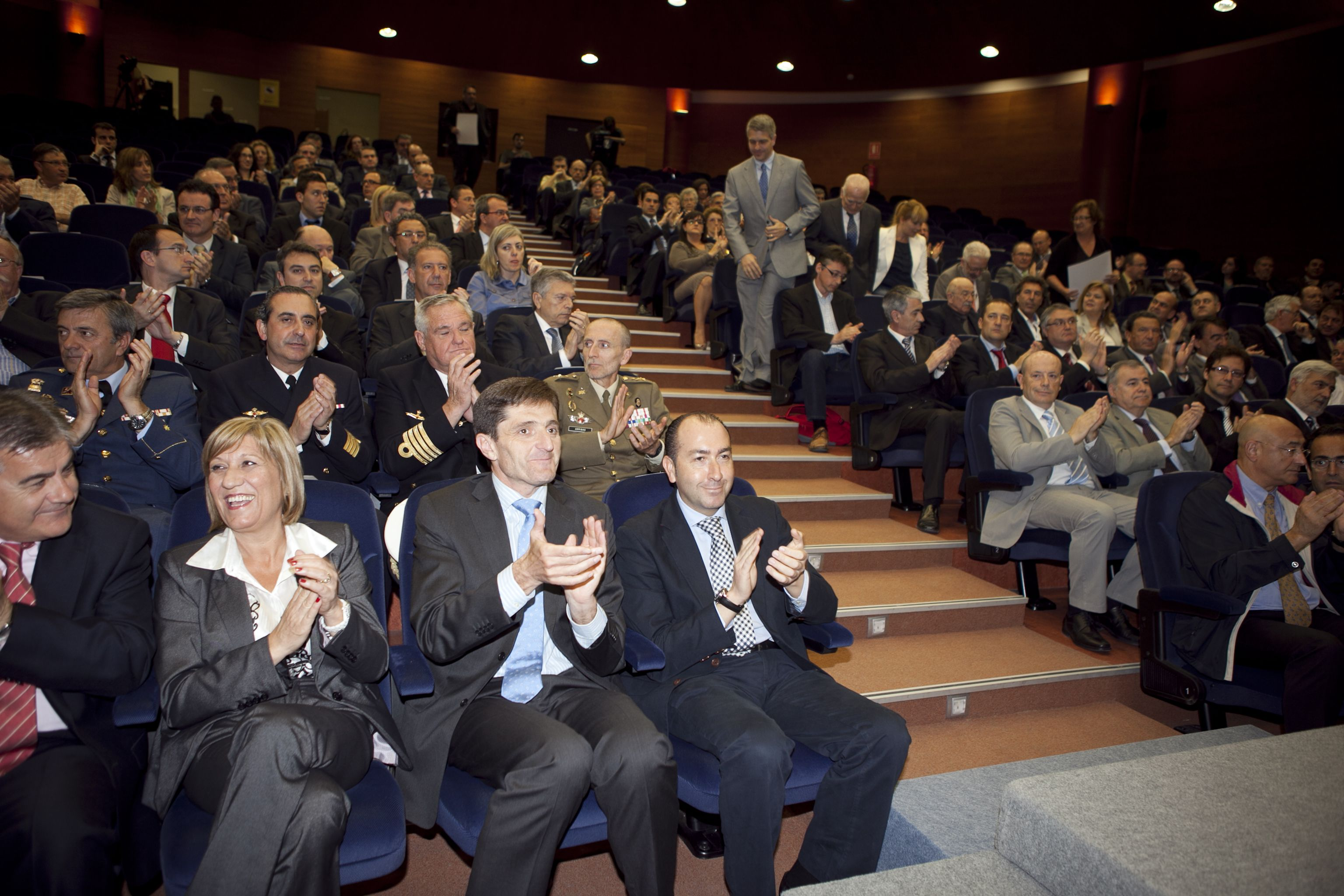 umh-diplomas-rector_mg_6552.jpg