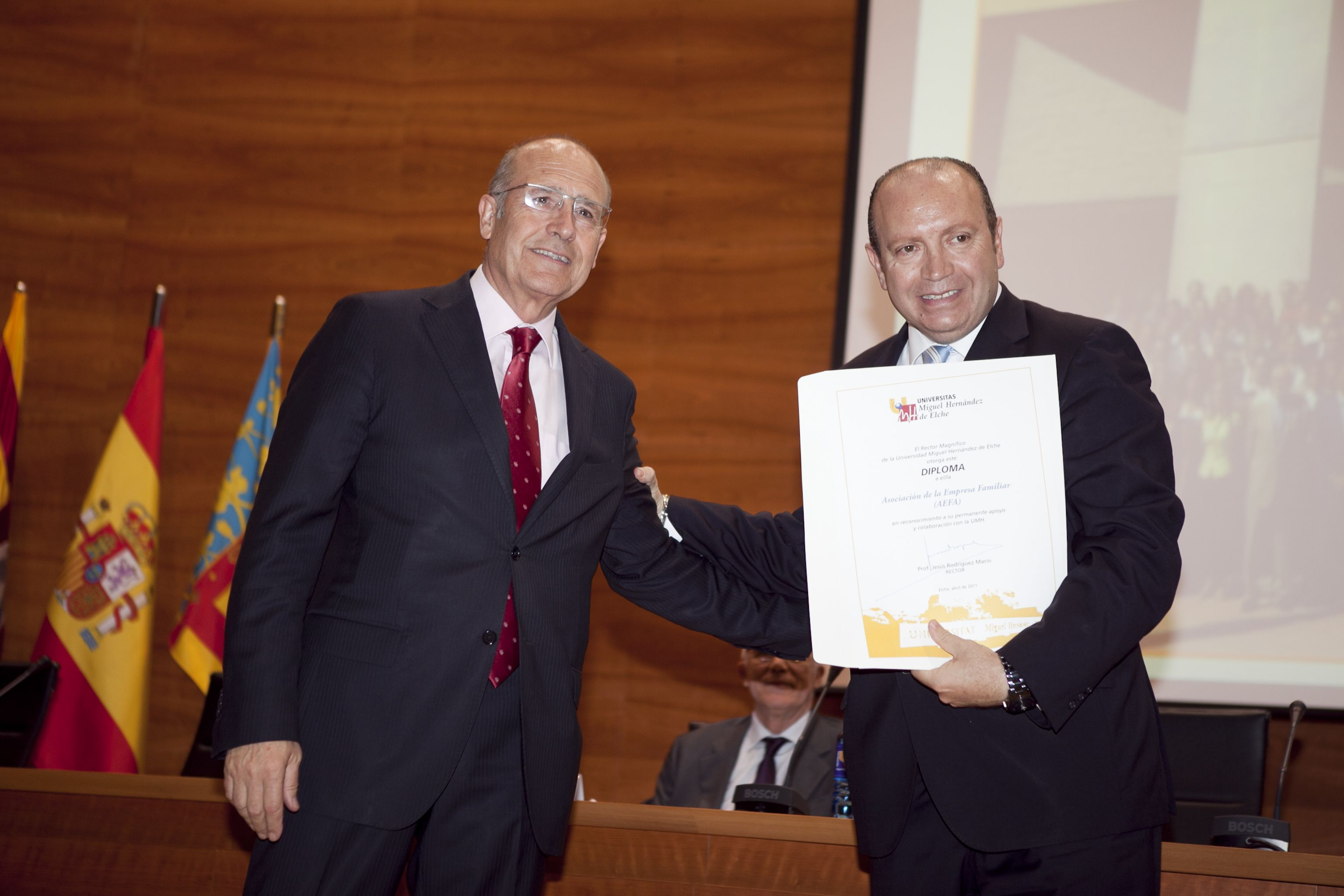 umh-diplomas-rector_mg_6563.jpg