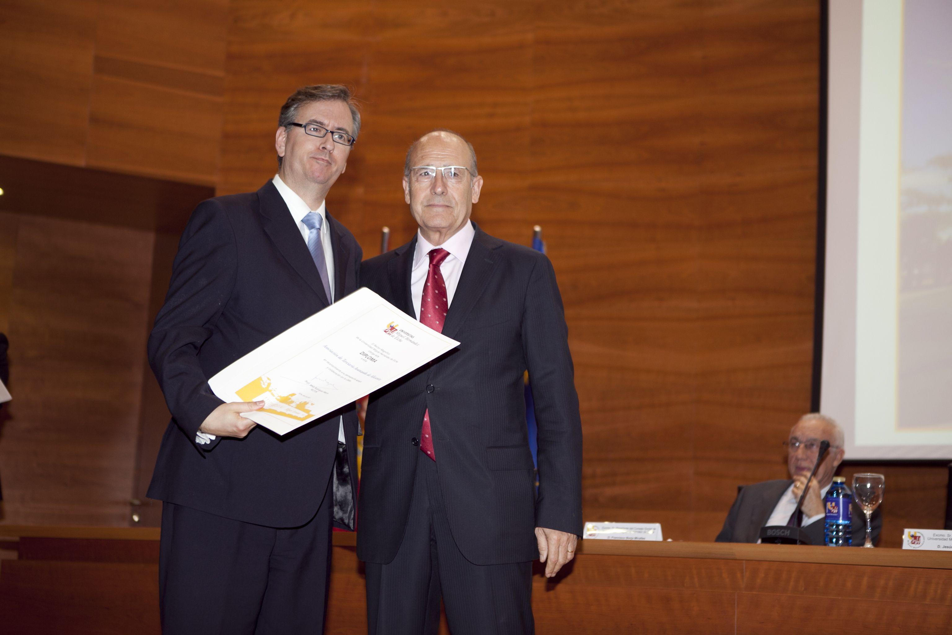 umh-diplomas-rector_mg_6568.jpg