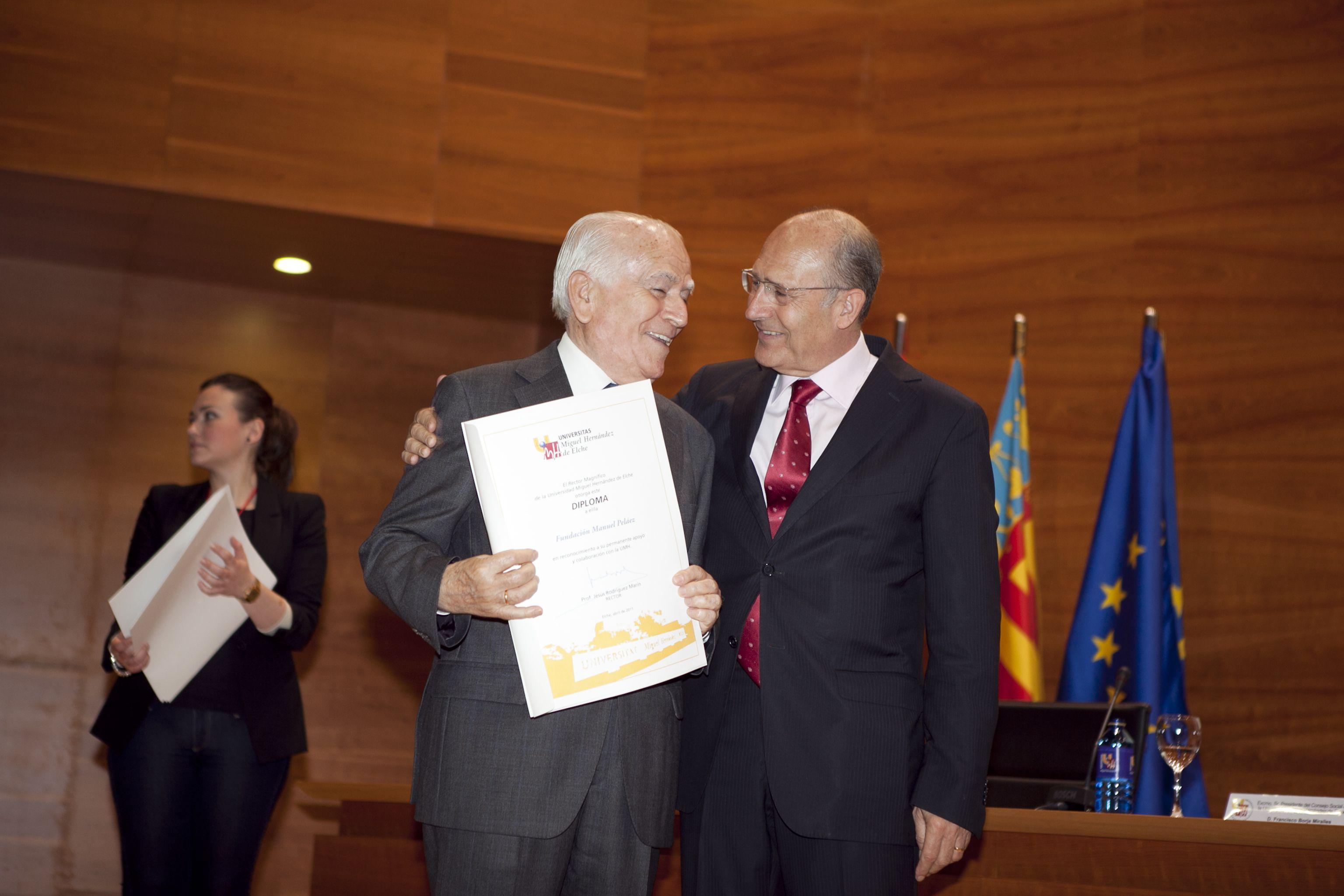 umh-diplomas-rector_mg_6673.jpg