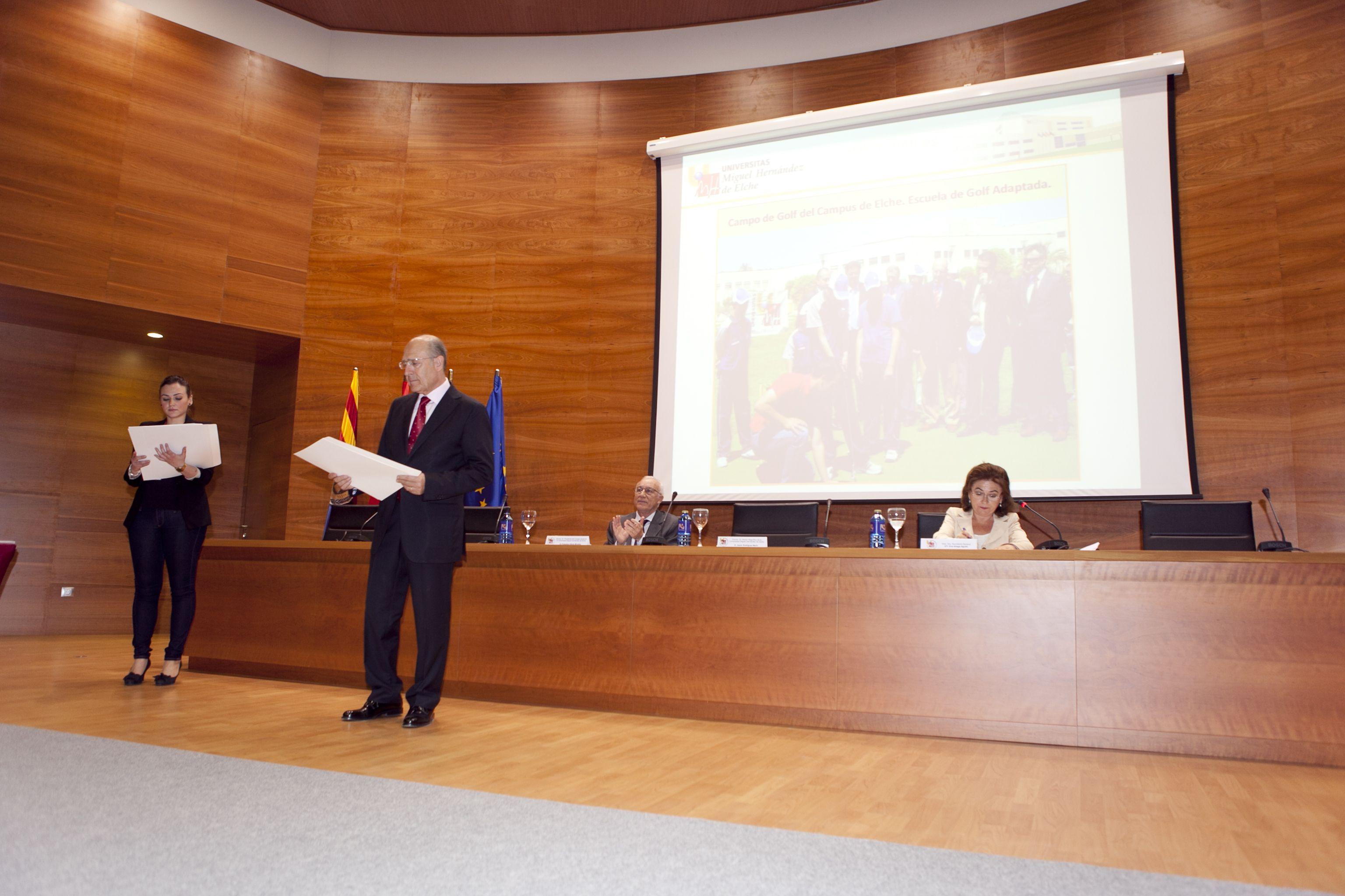 umh-diplomas-rector_mg_6714.jpg