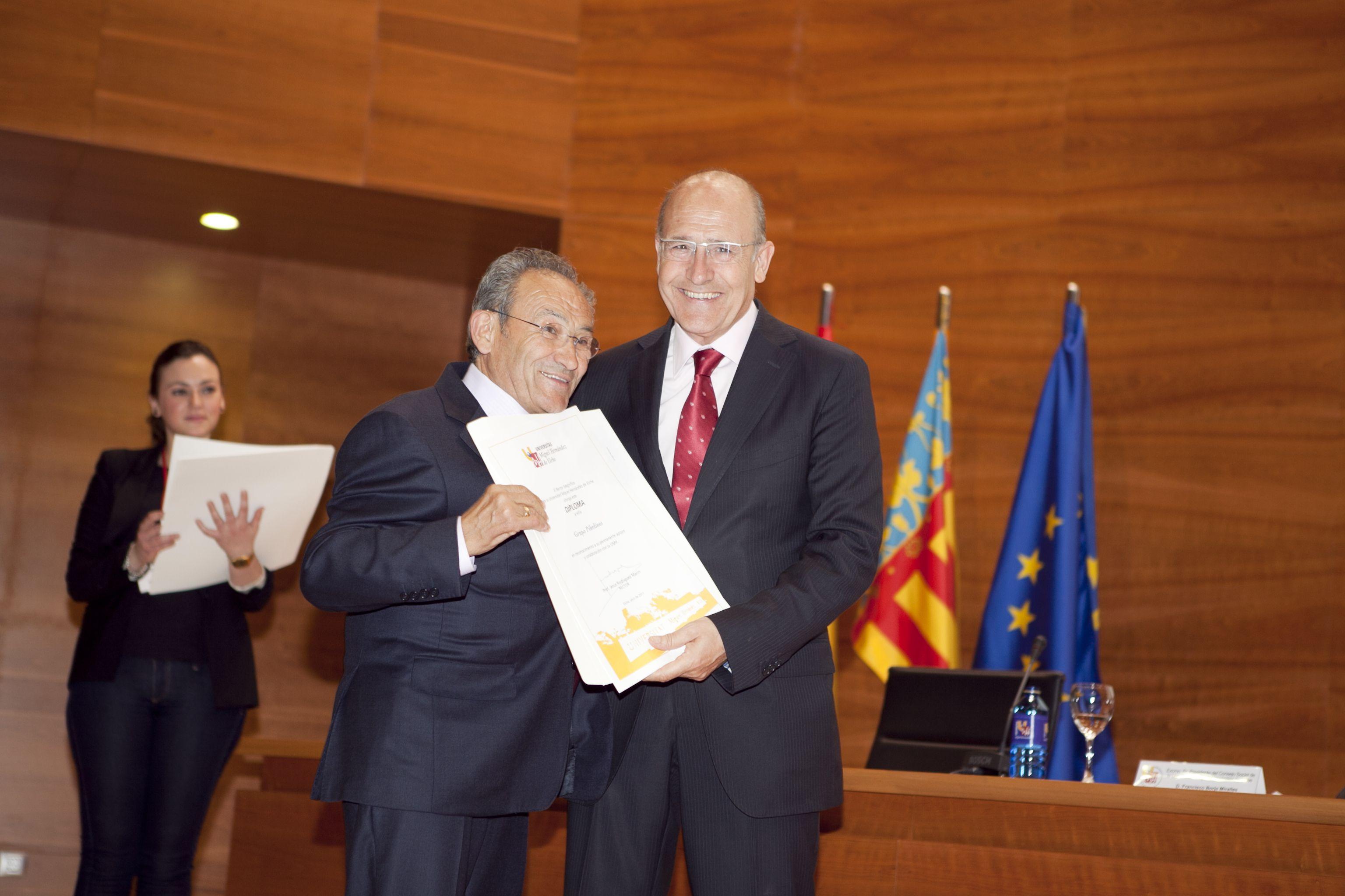 umh-diplomas-rector_mg_6758.jpg
