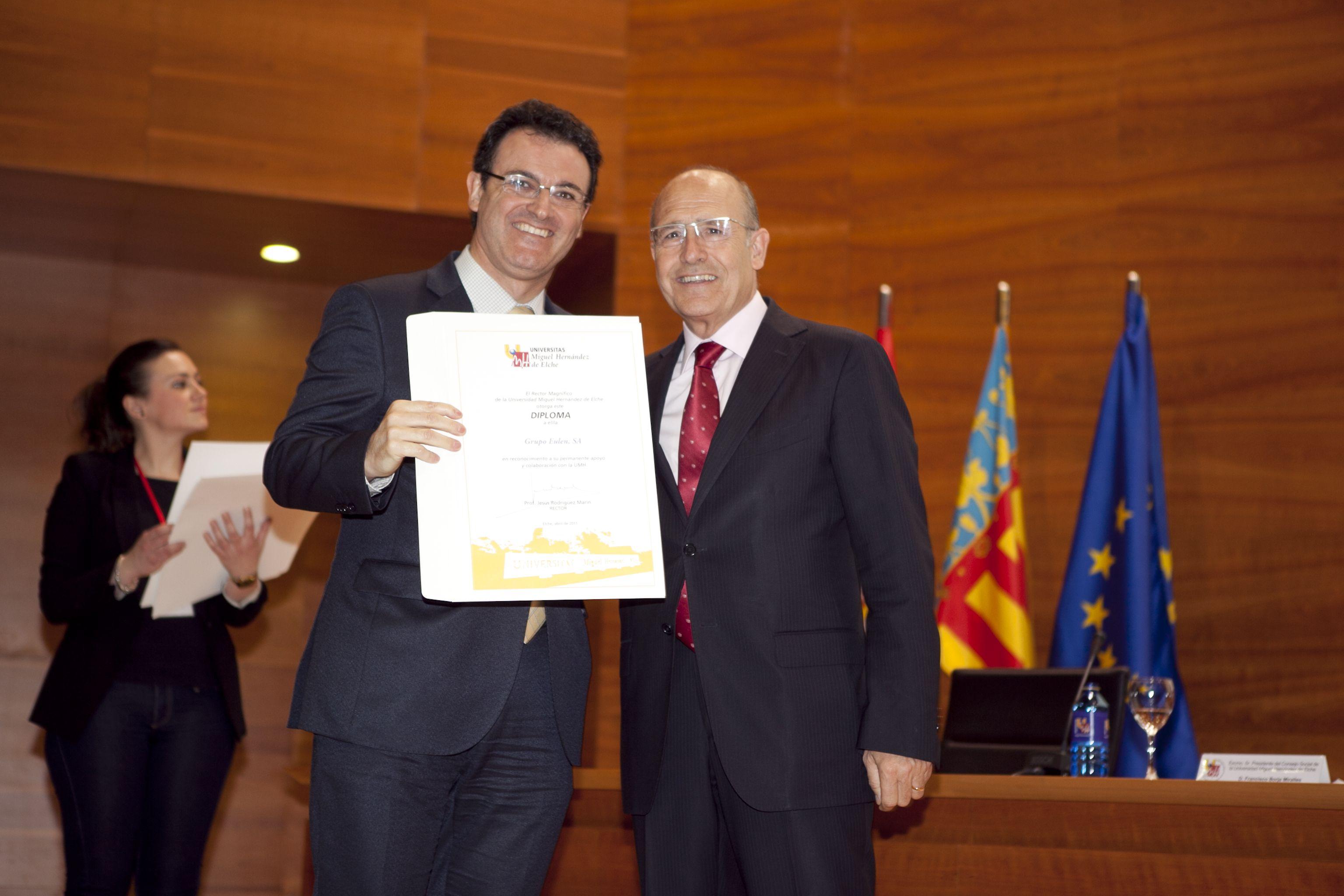 umh-diplomas-rector_mg_6832.jpg