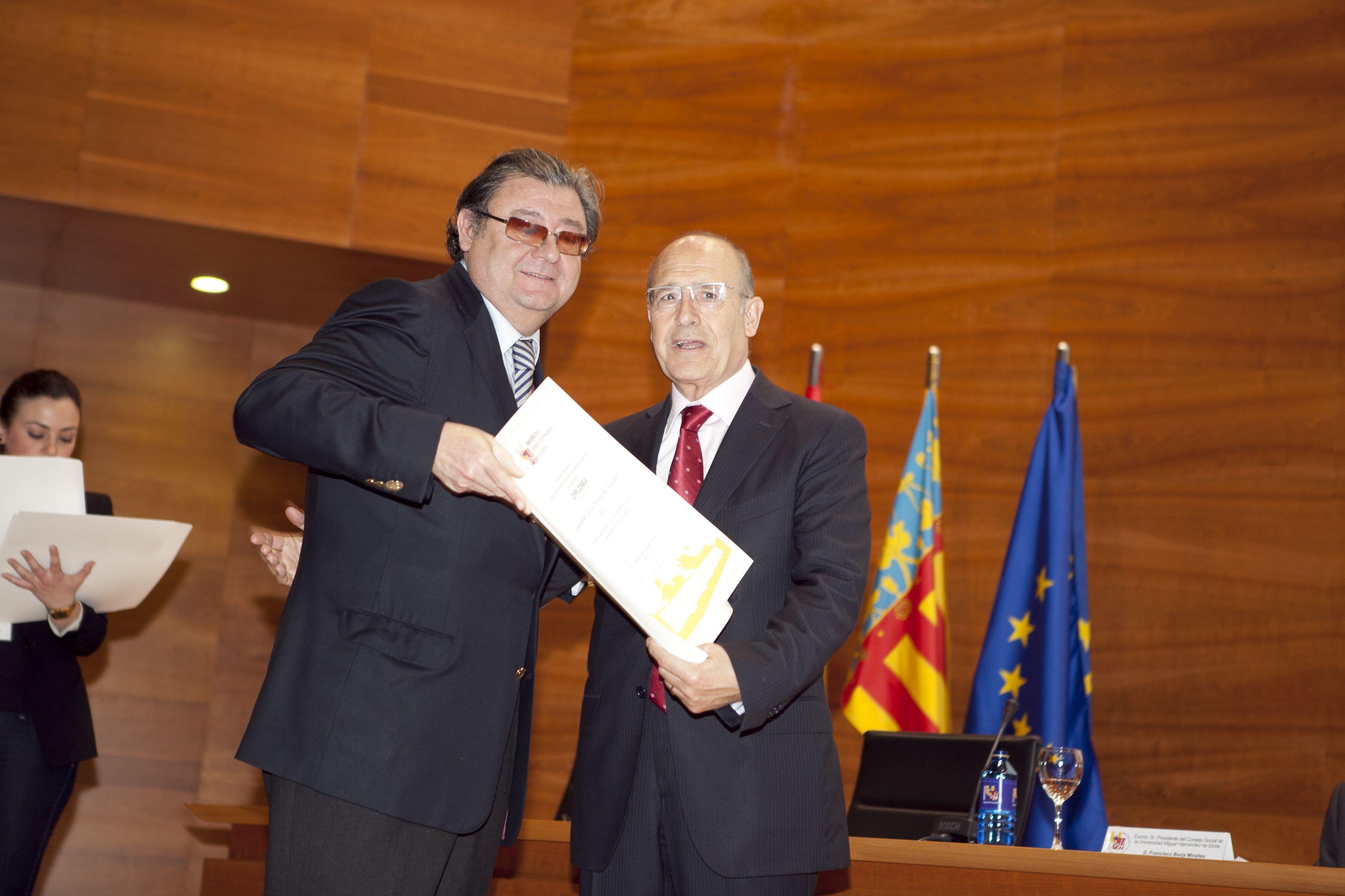 umh-diplomas-rector_mg_6853.jpg