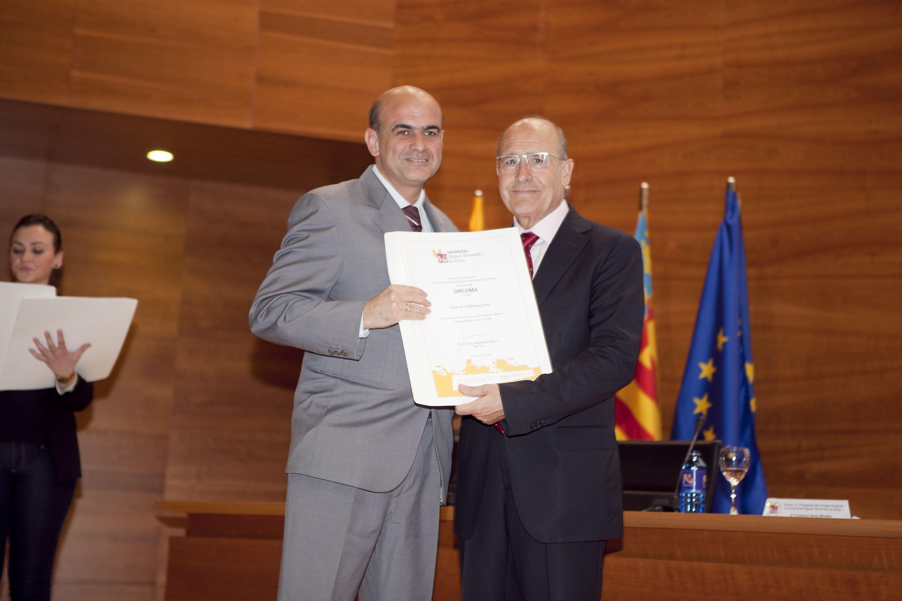 umh-diplomas-rector_mg_6861.jpg