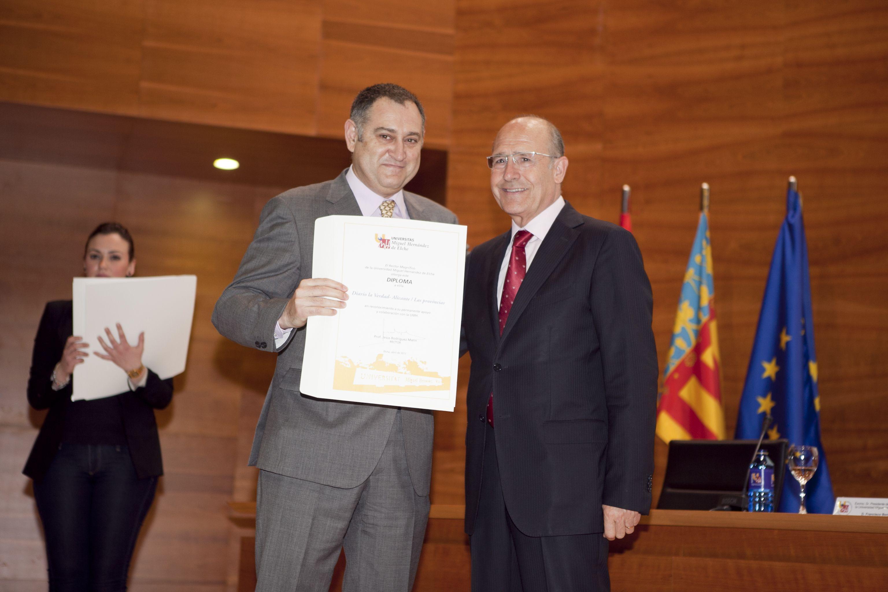 umh-diplomas-rector_mg_6868.jpg