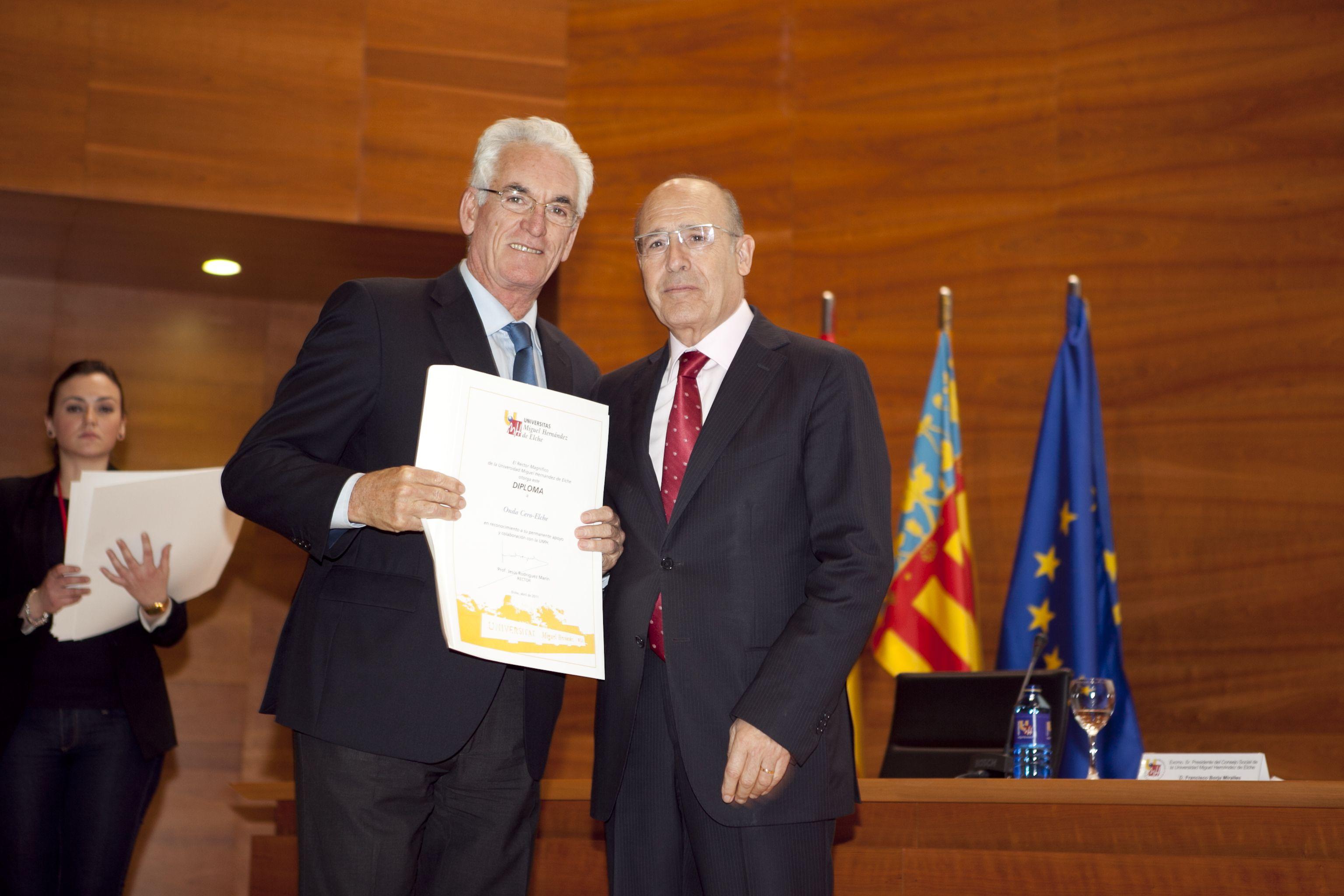 umh-diplomas-rector_mg_6872.jpg