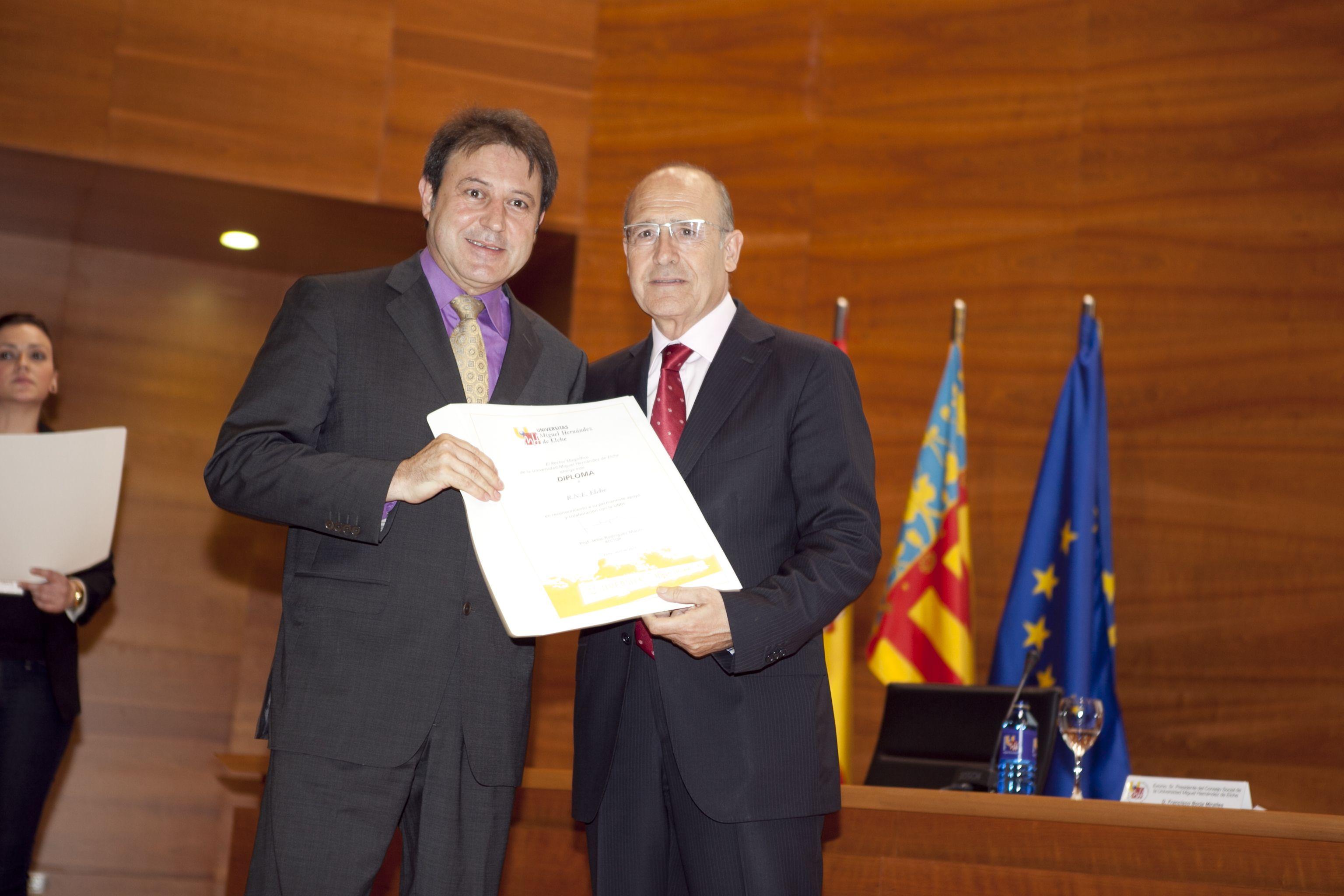 umh-diplomas-rector_mg_6878.jpg