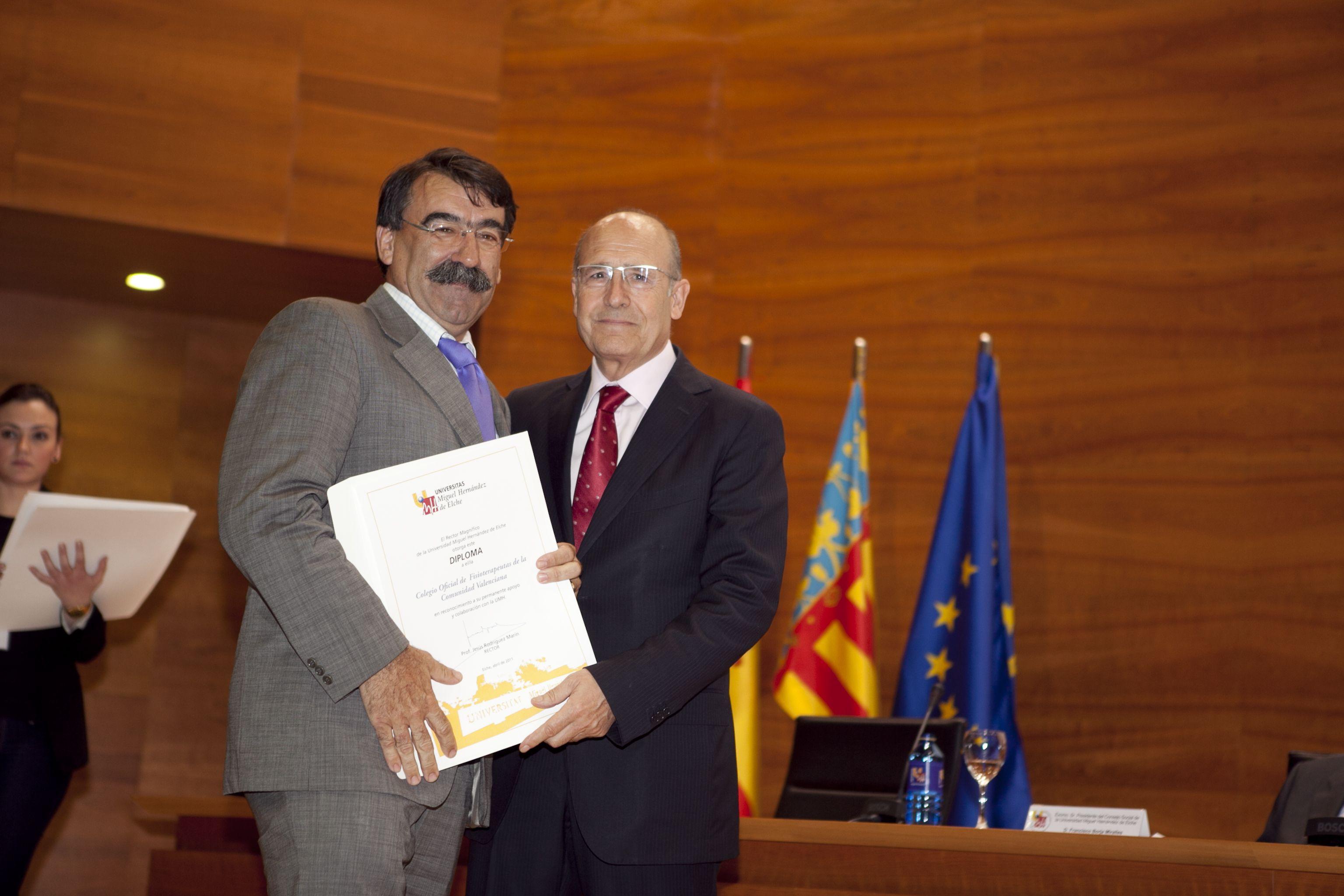 umh-diplomas-rector_mg_6912.jpg