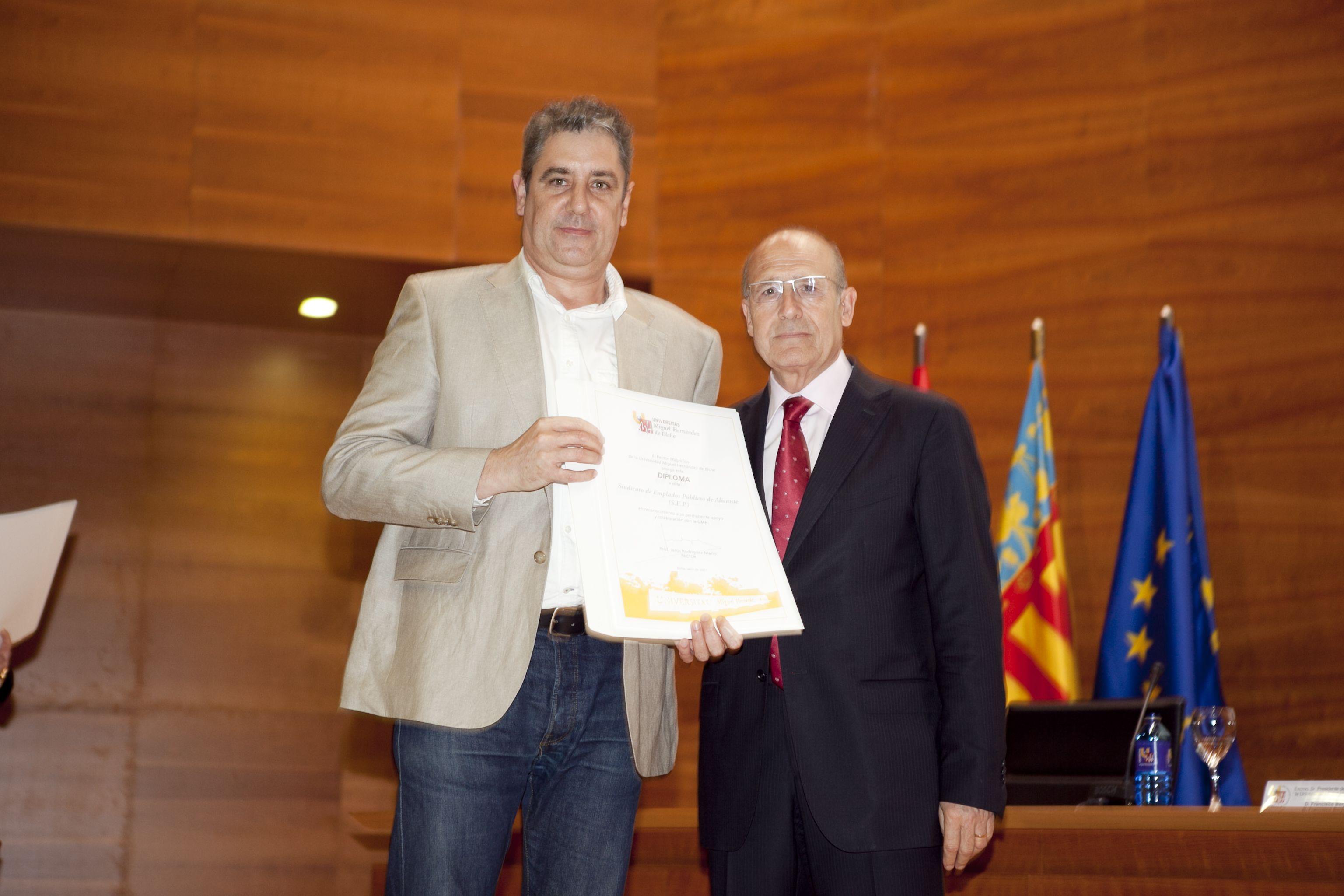 umh-diplomas-rector_mg_6939.jpg