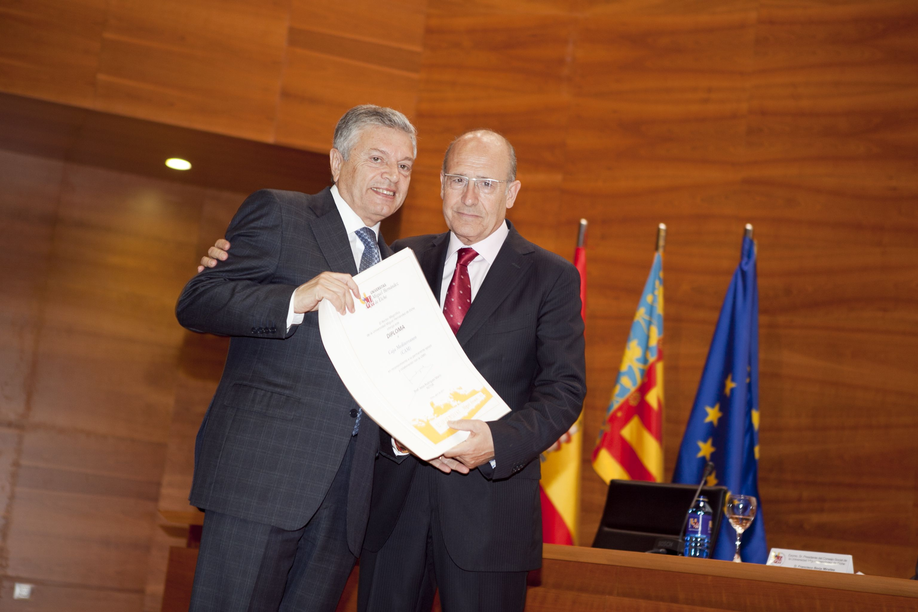 umh-diplomas-rector_mg_6949.jpg