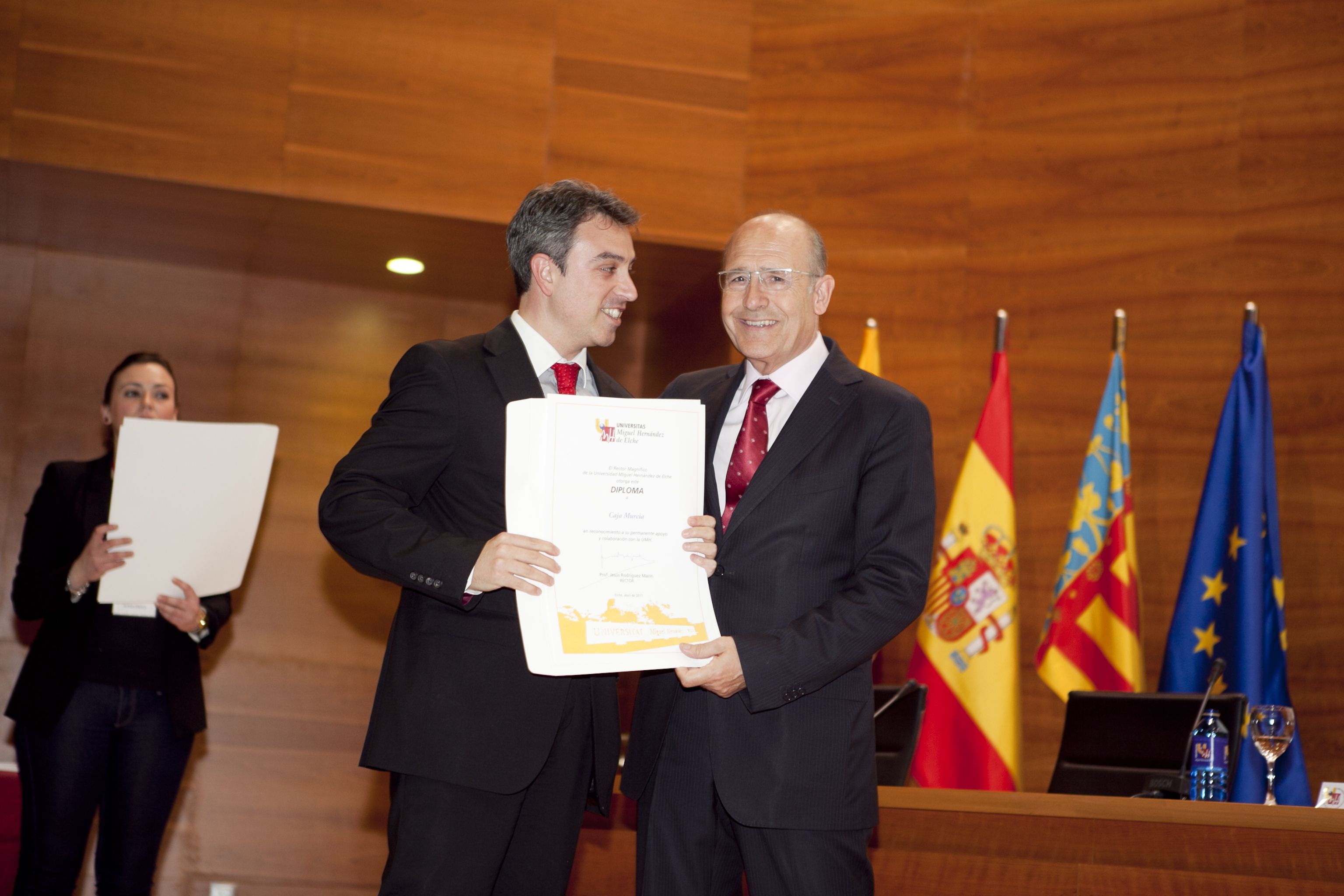 umh-diplomas-rector_mg_6955.jpg