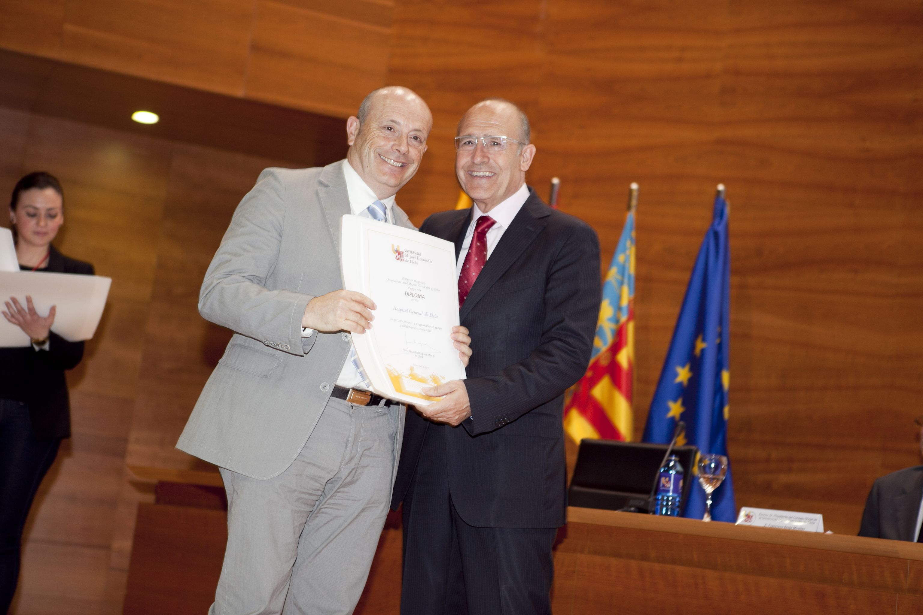 umh-diplomas-rector_mg_6967.jpg
