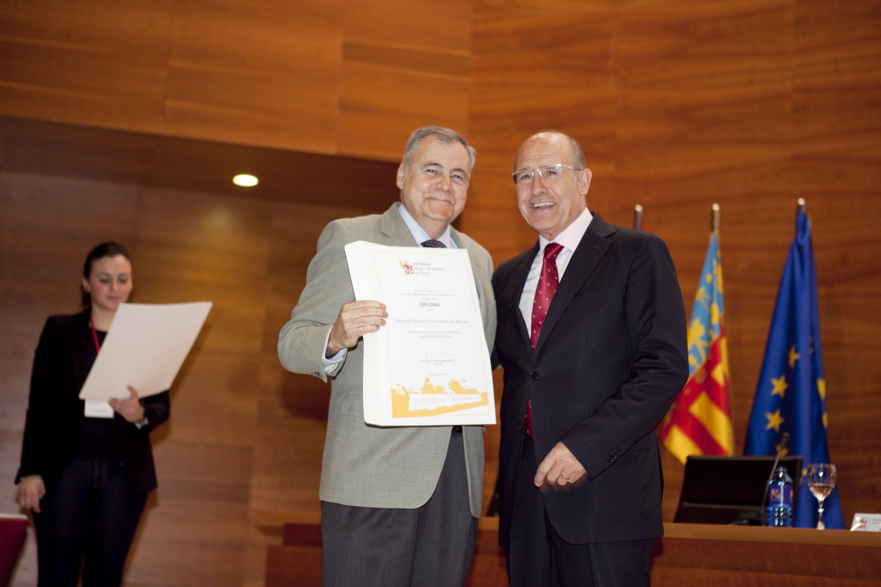 umh-diplomas-rector_mg_6973.jpg
