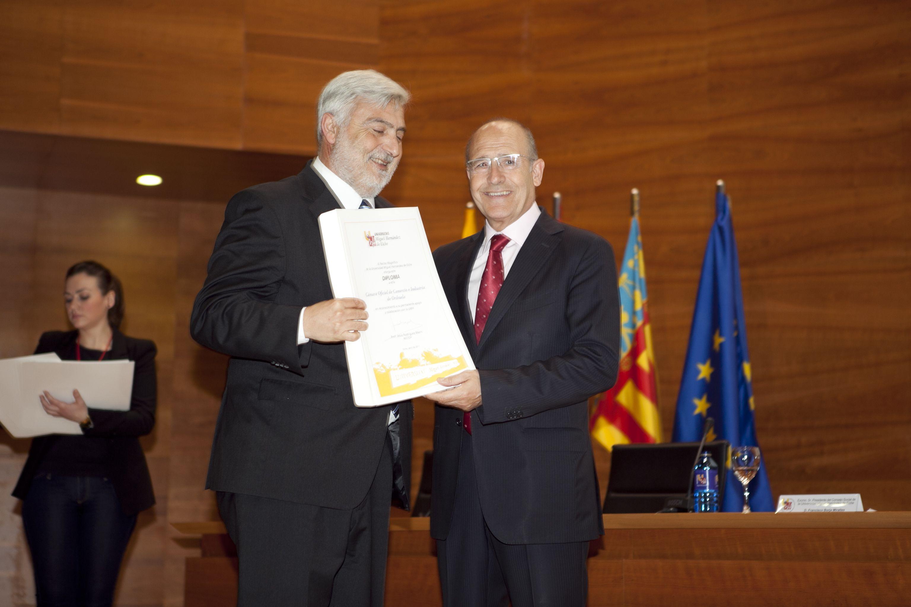 umh-diplomas-rector_mg_6984.jpg