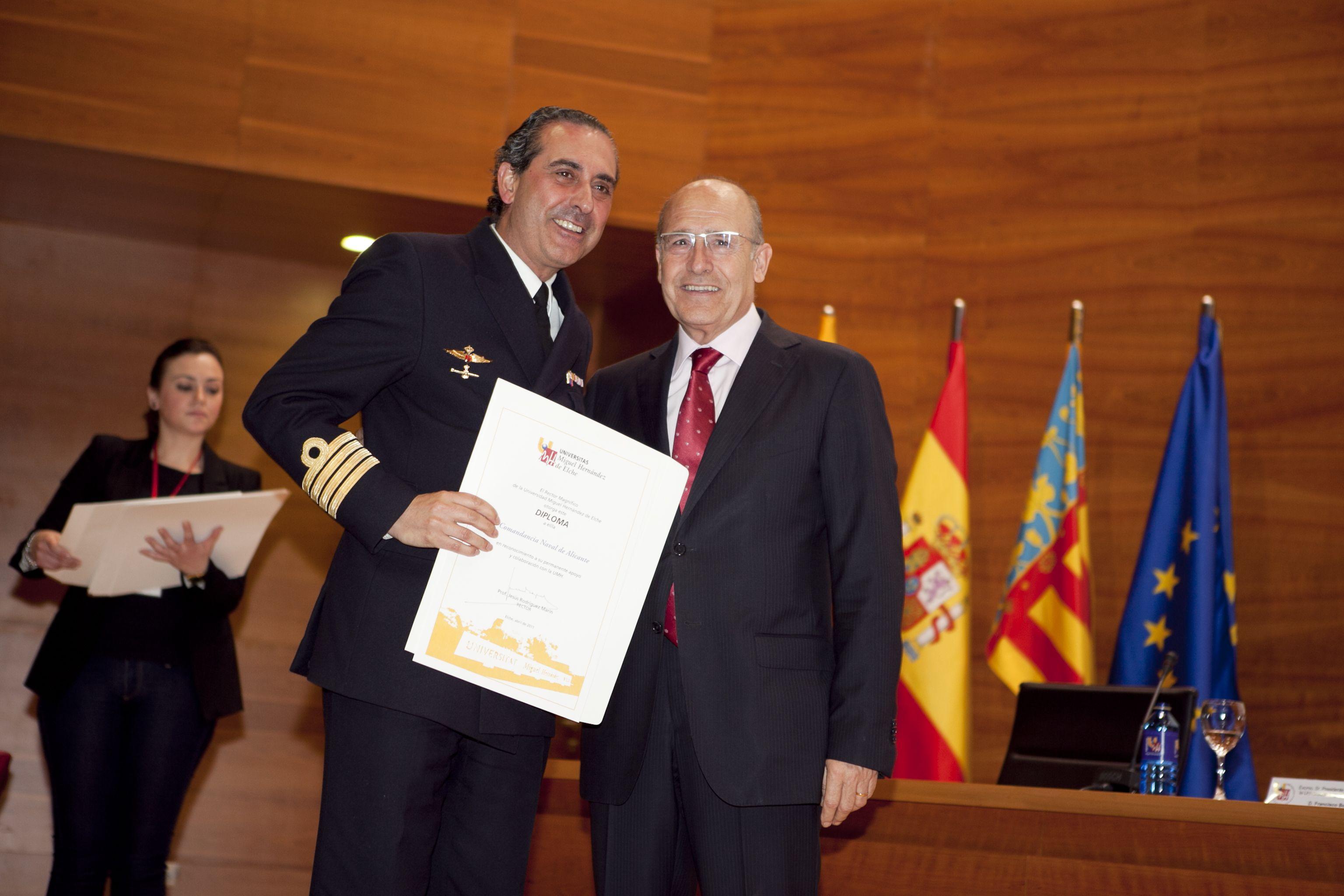 umh-diplomas-rector_mg_7003.jpg