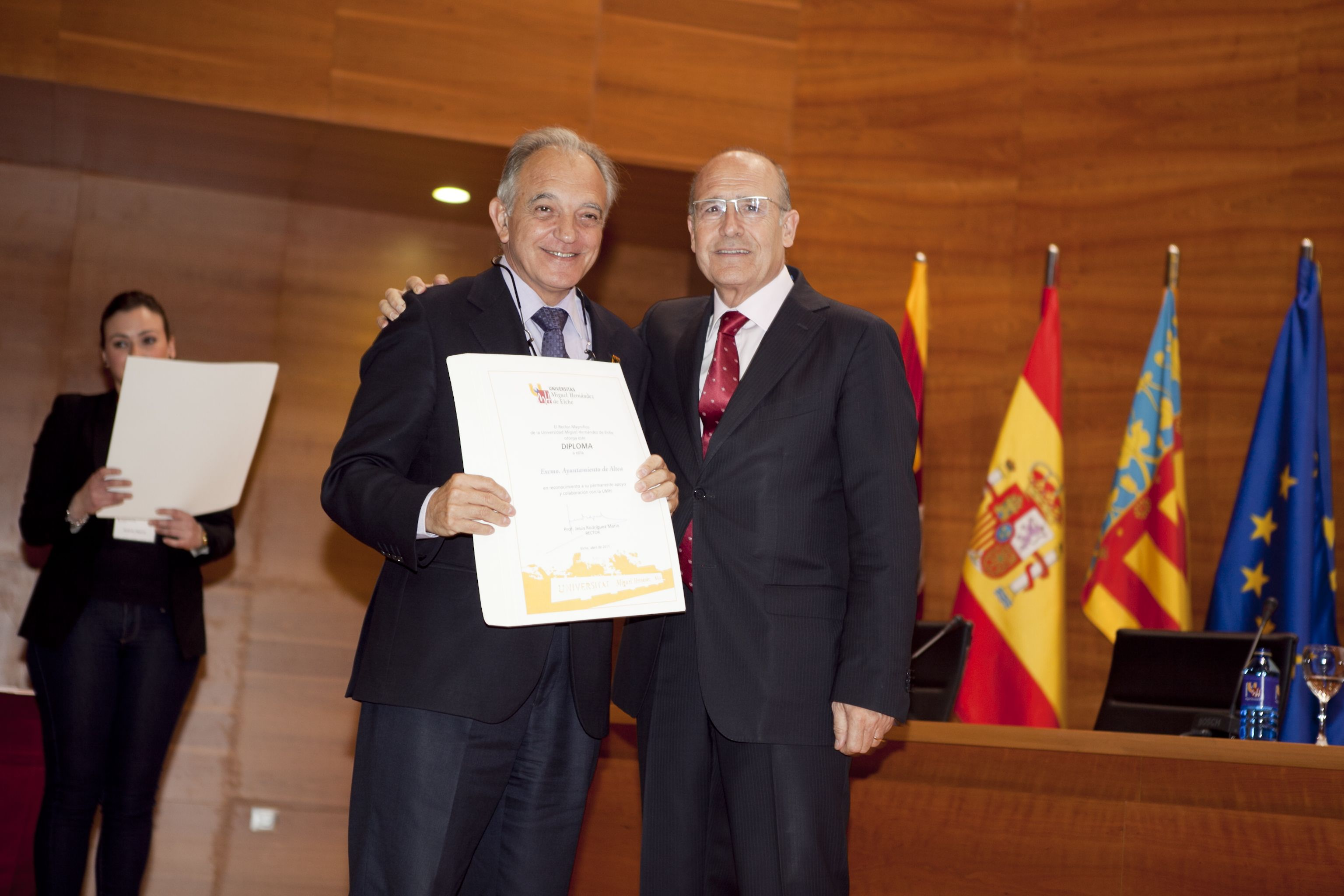 umh-diplomas-rector_mg_7031.jpg