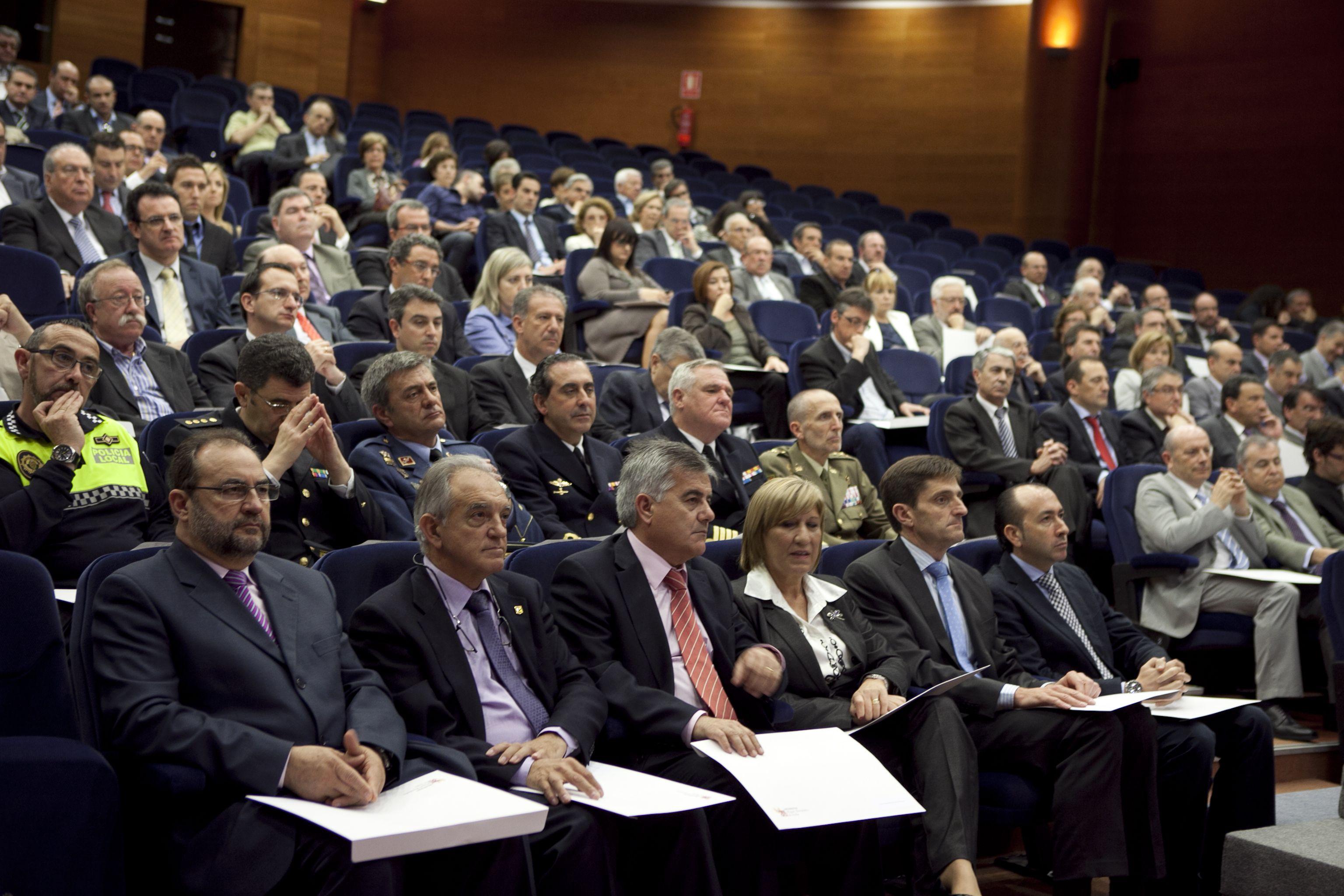 umh-diplomas-rector_mg_7068.jpg