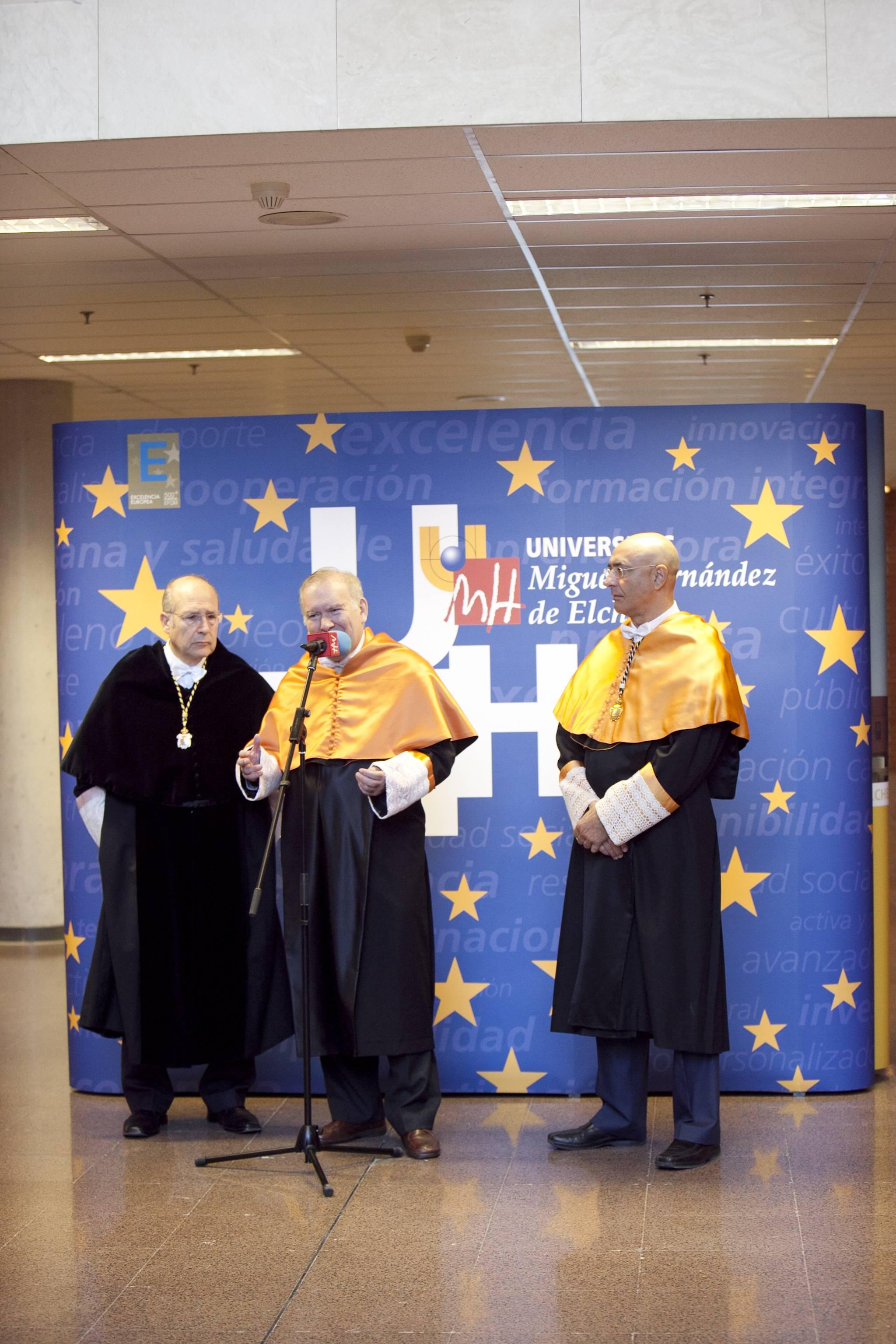 doctor-honoris-causa-luis-gamir_mg_0540.jpg