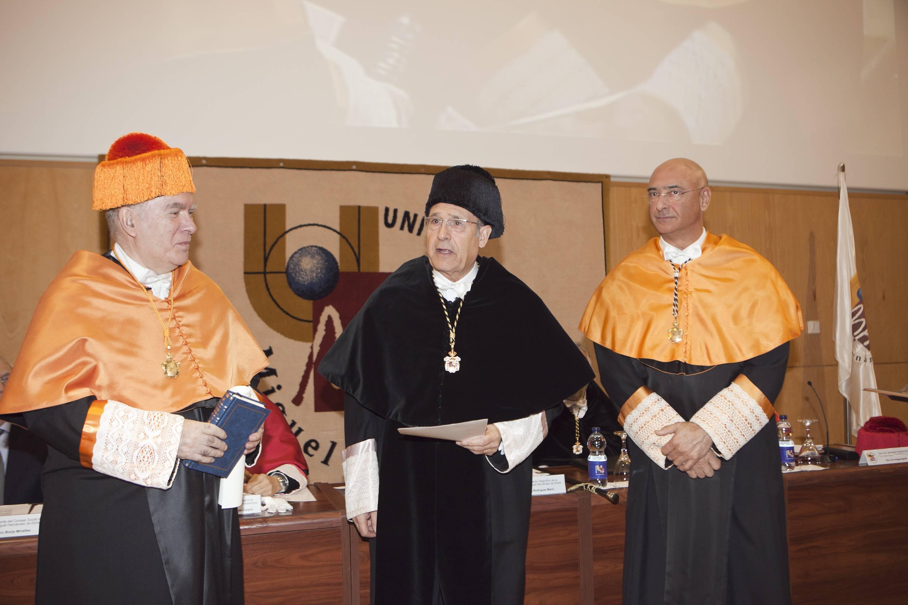 doctor-honoris-causa-luis-gamir_mg_0759.jpg