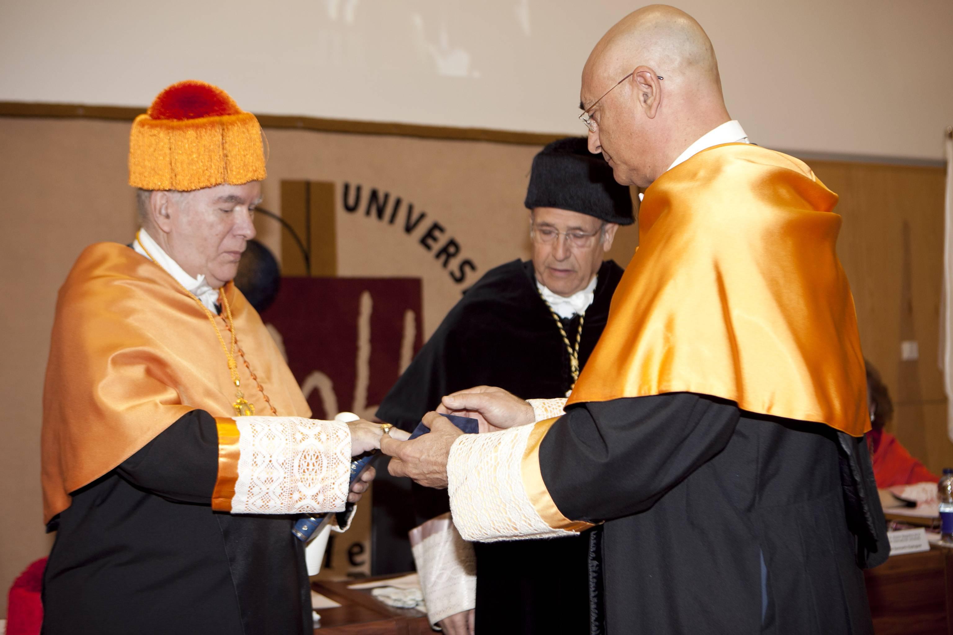 doctor-honoris-causa-luis-gamir_mg_0773.jpg