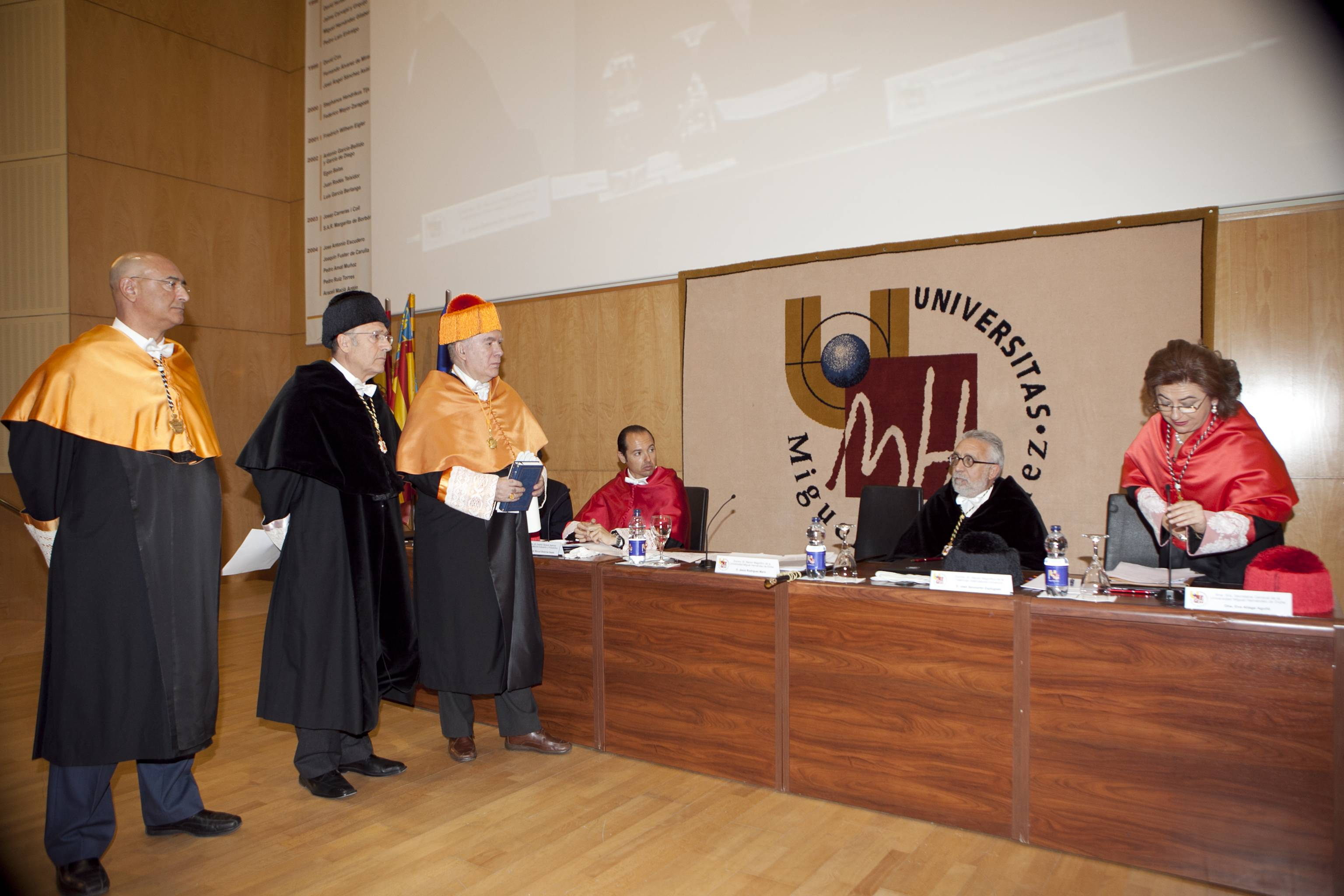 doctor-honoris-causa-luis-gamir_mg_0781.jpg