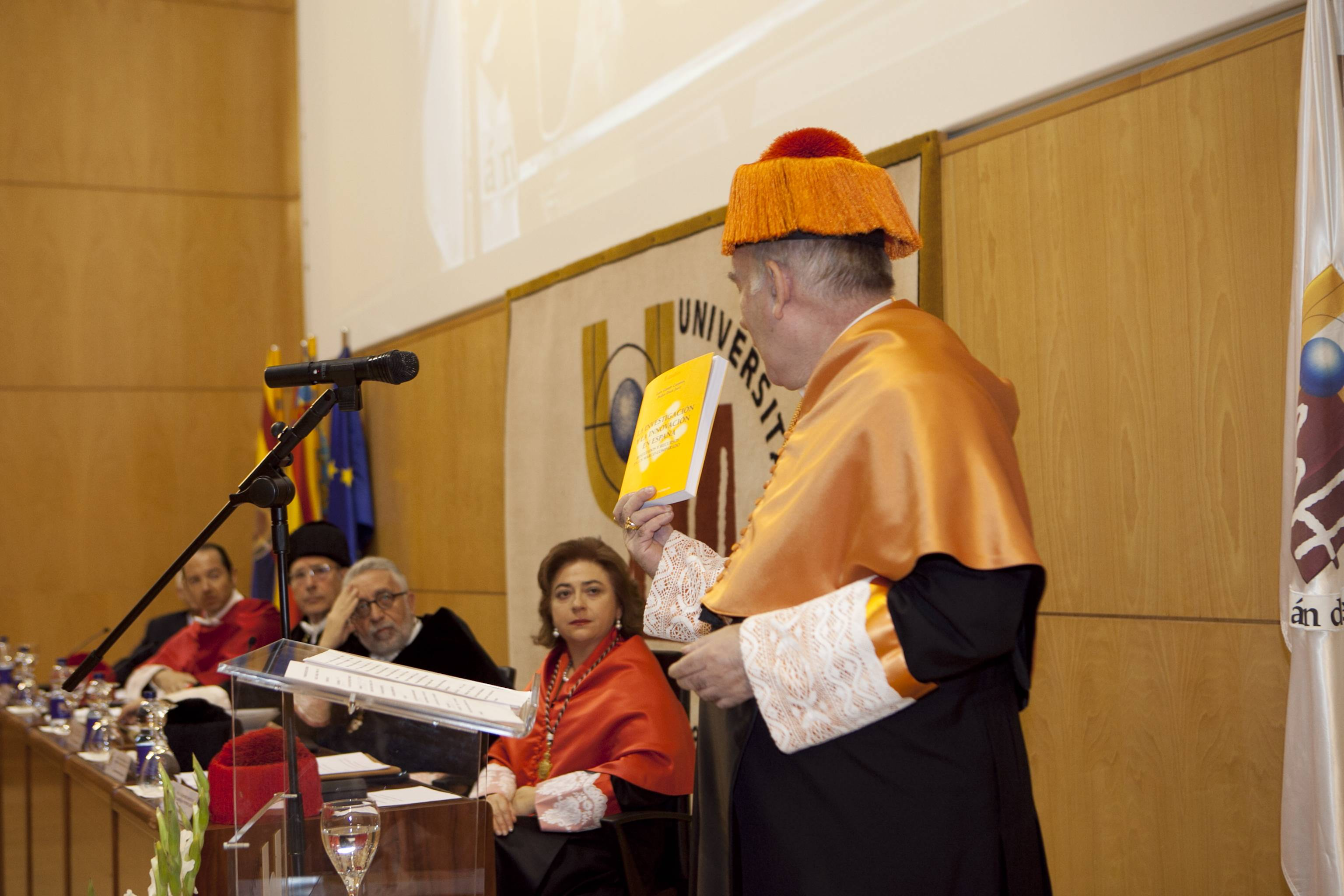 doctor-honoris-causa-luis-gamir_mg_0873.jpg