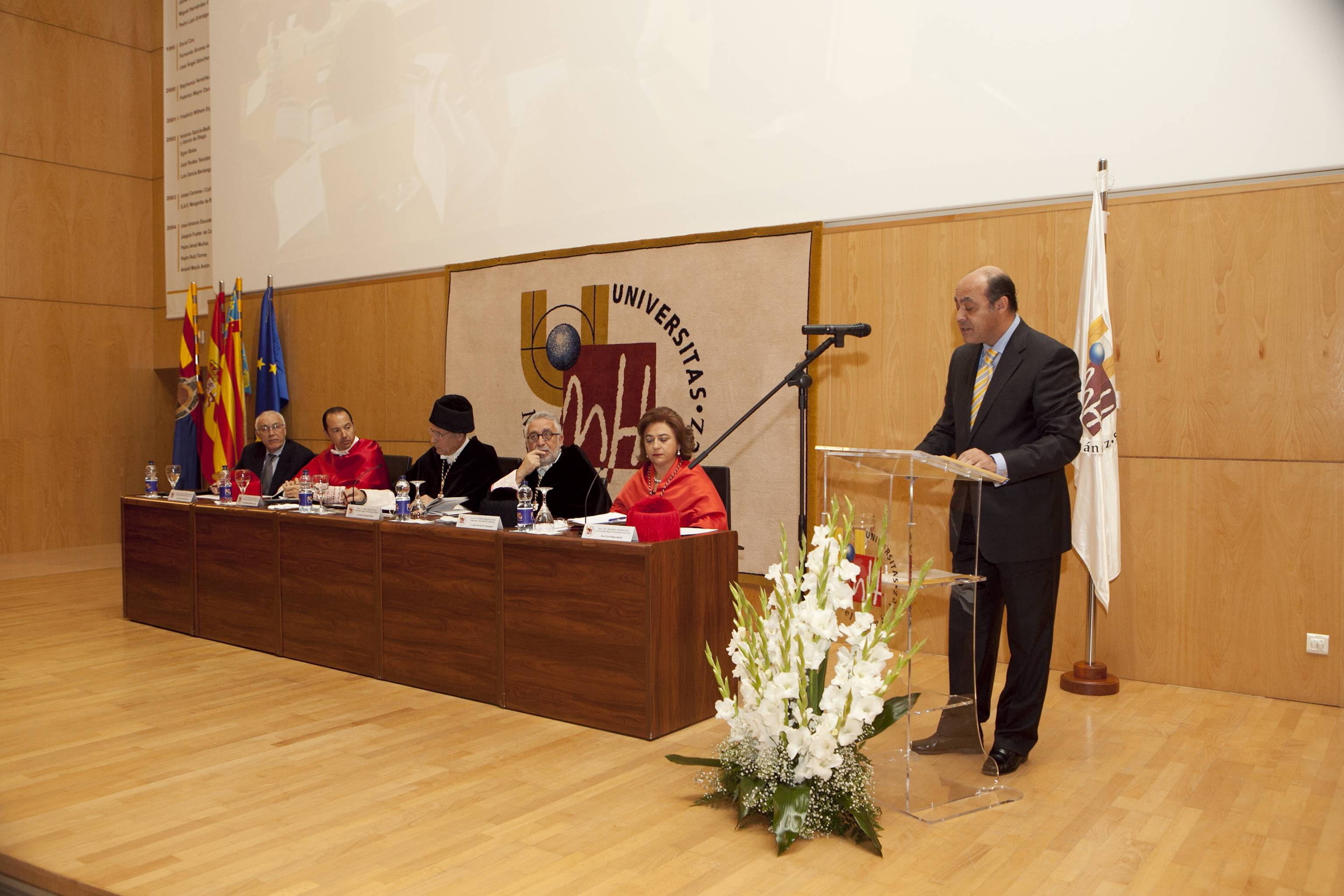 doctor-honoris-causa-luis-gamir_mg_1020.jpg