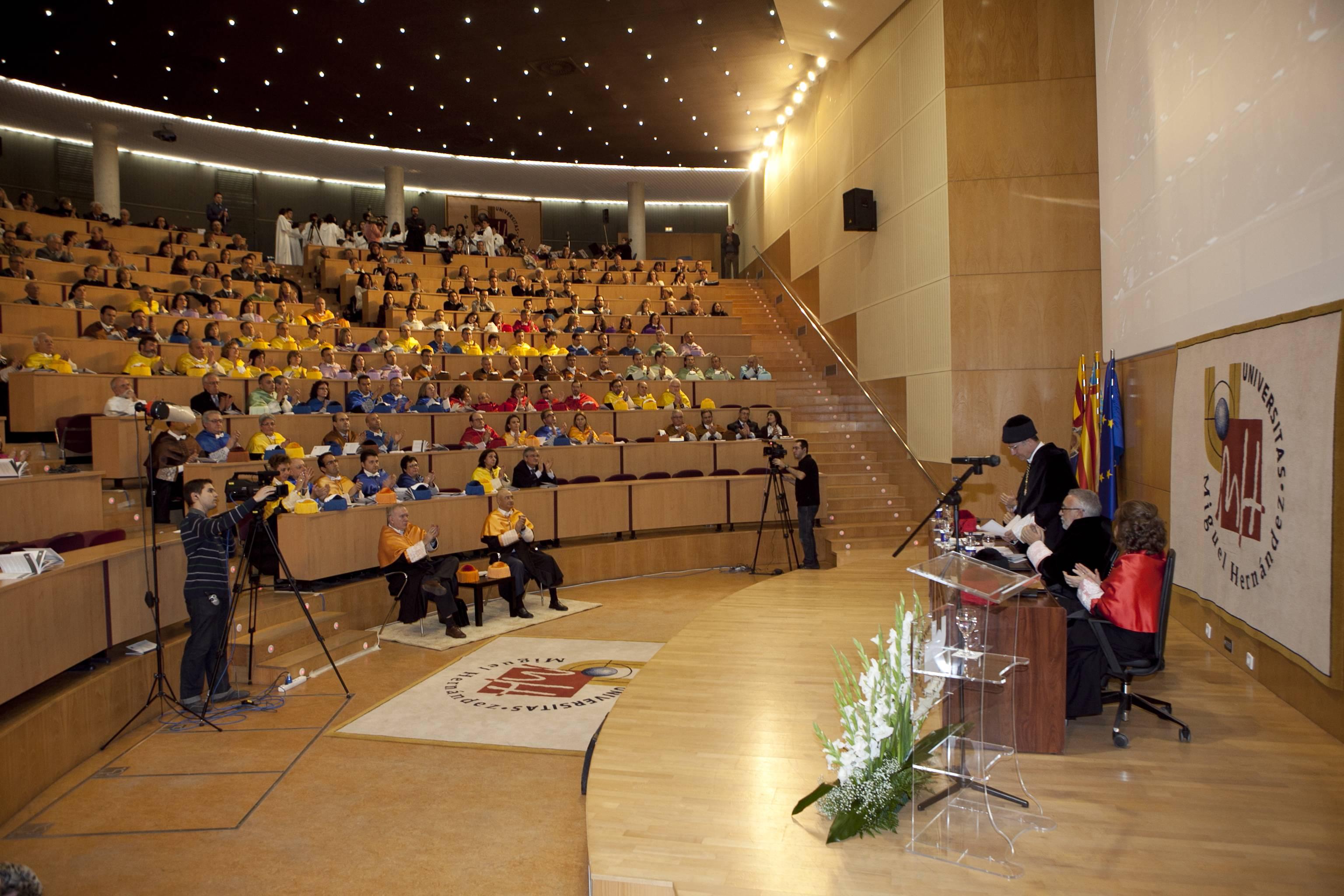 doctor-honoris-causa-luis-gamir_mg_1253.jpg