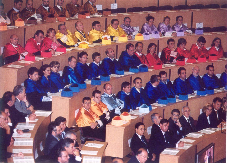 togados-sentados.jpg