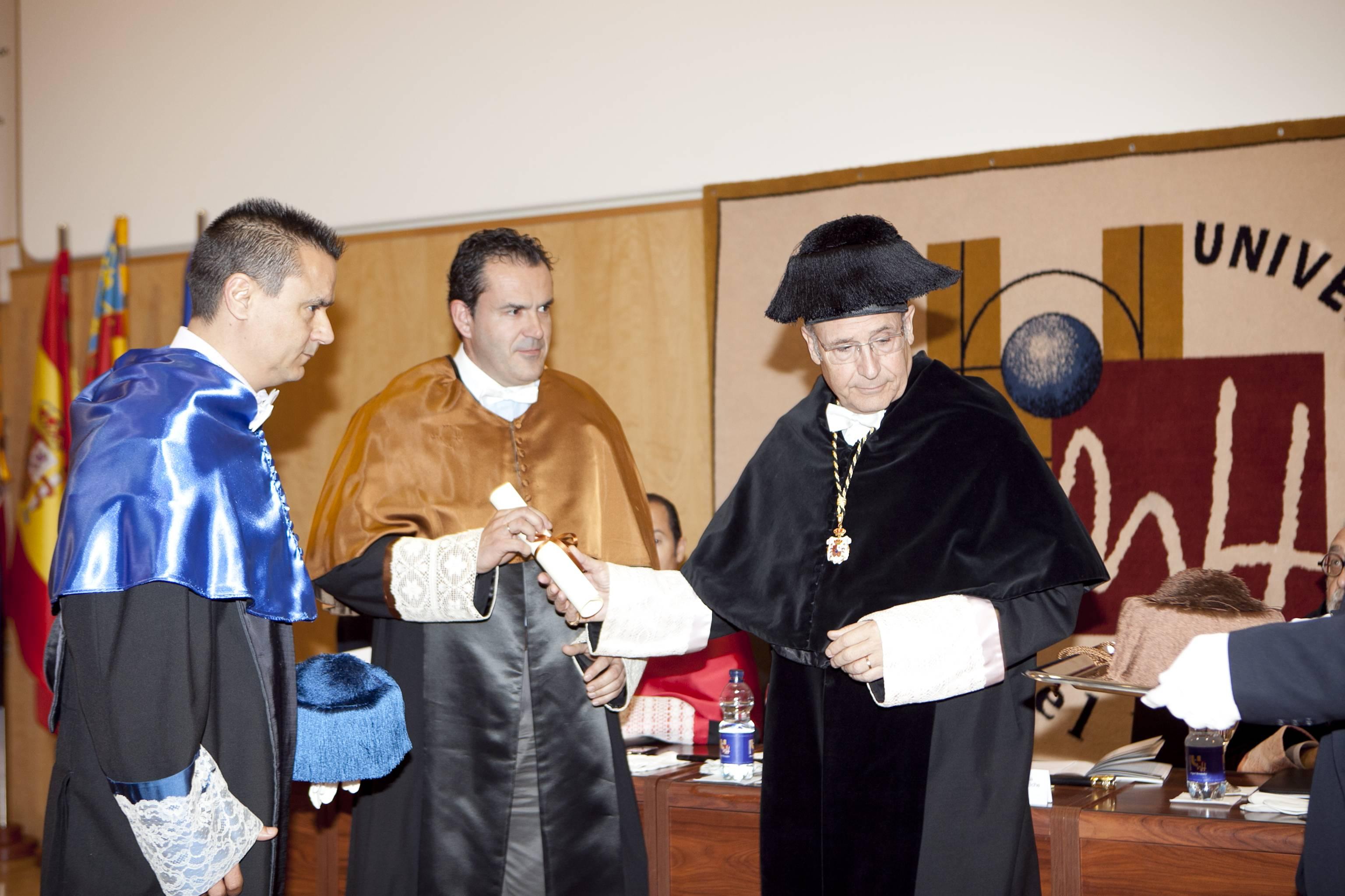 doctor-honoris-causa-luis-gamir_mg_1077.jpg