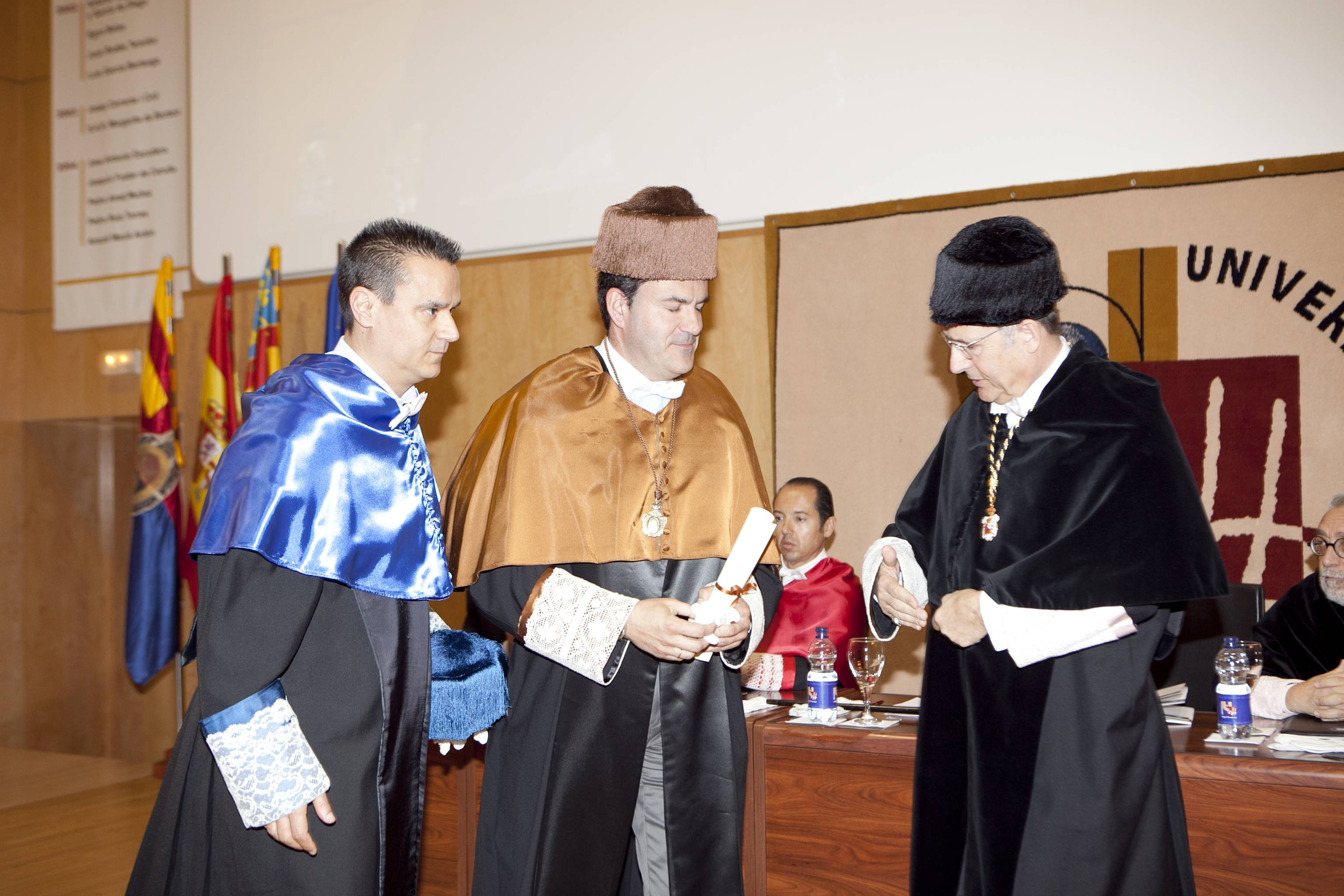 doctor-honoris-causa-luis-gamir_mg_1081.jpg