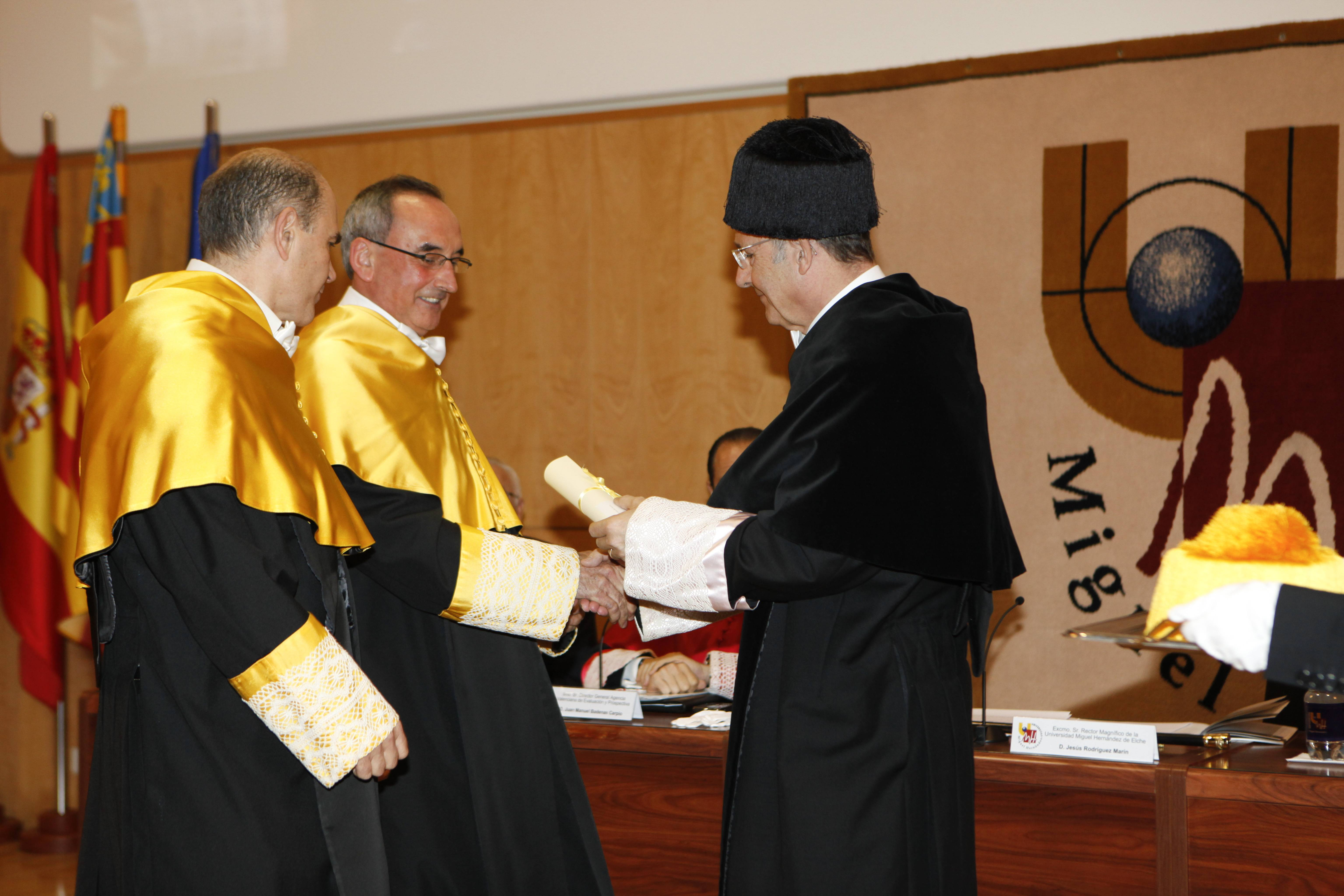 doctor-honoris-causa-luis-gamir_mg_1102.jpg