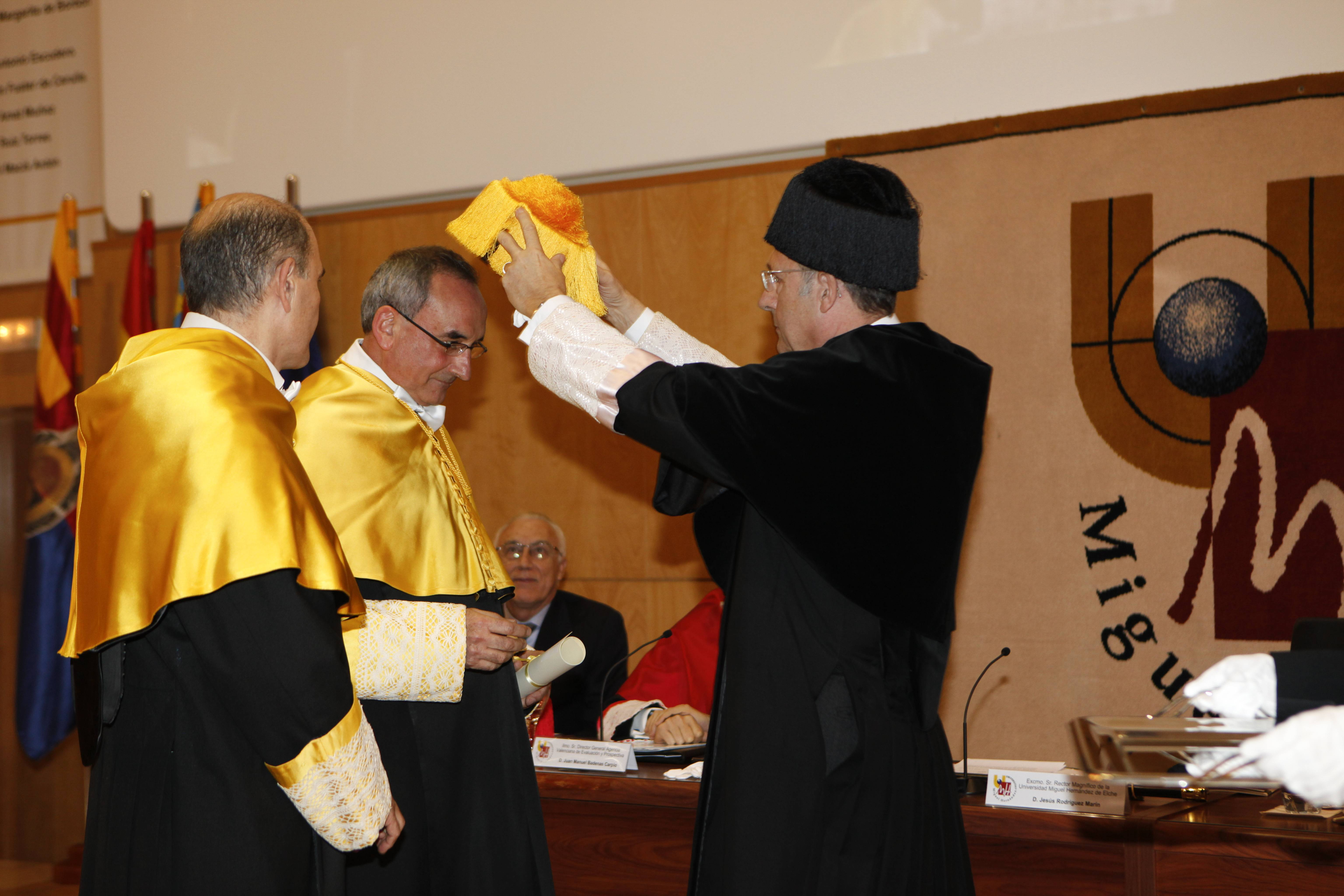 doctor-honoris-causa-luis-gamir_mg_1103.jpg