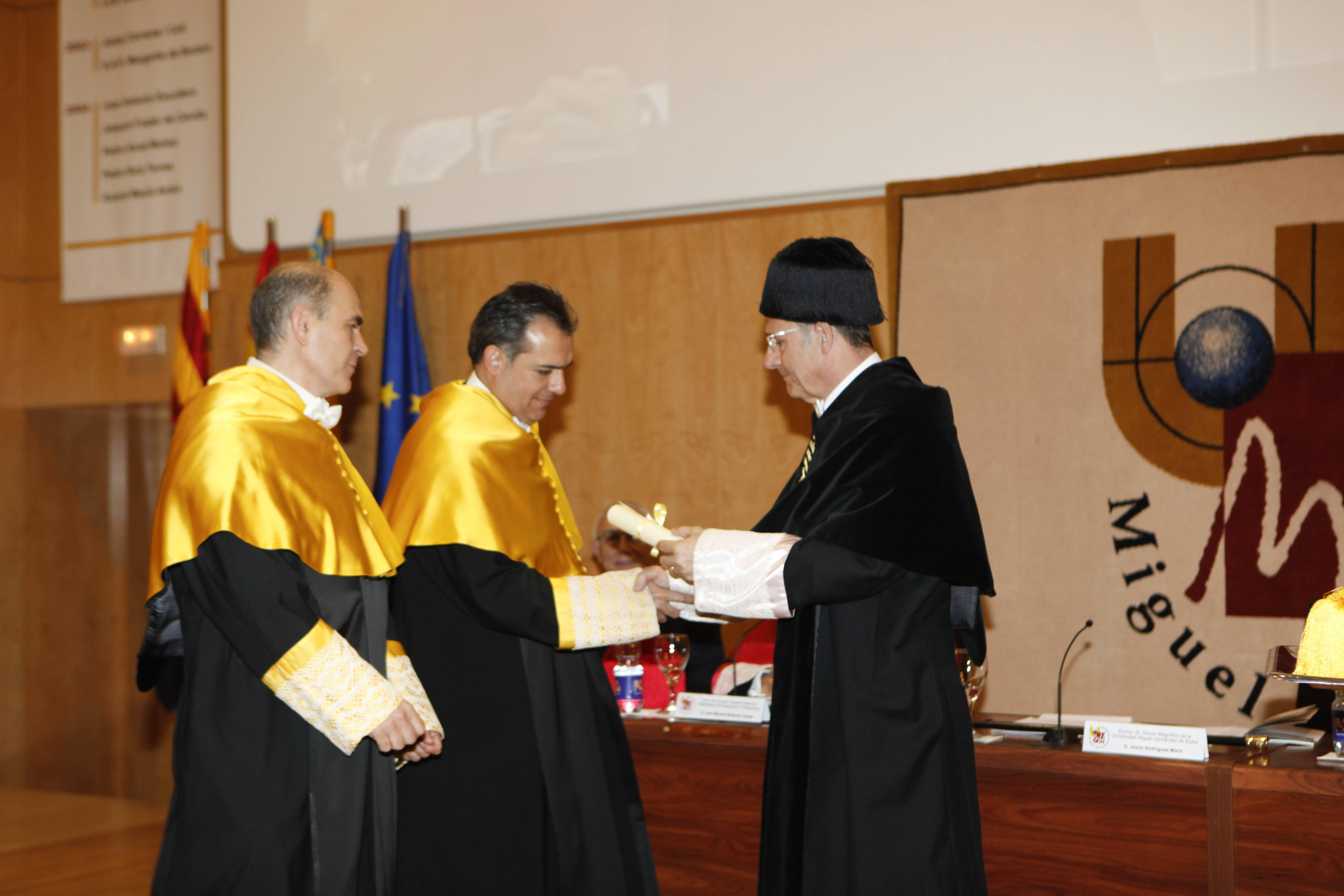doctor-honoris-causa-luis-gamir_mg_1106.jpg