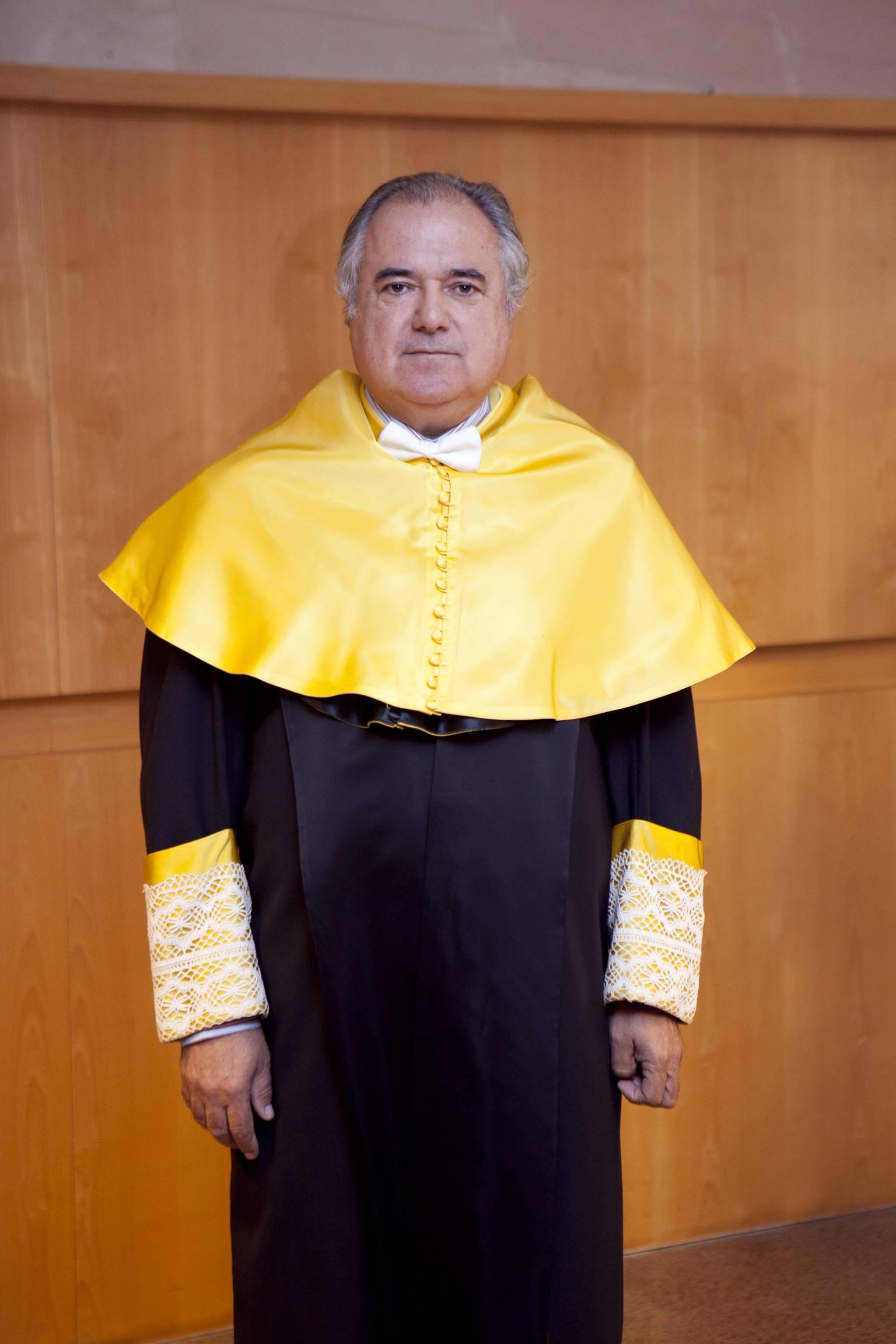 doctor-honoris-causa-luis-gamir_mg_0552.jpg