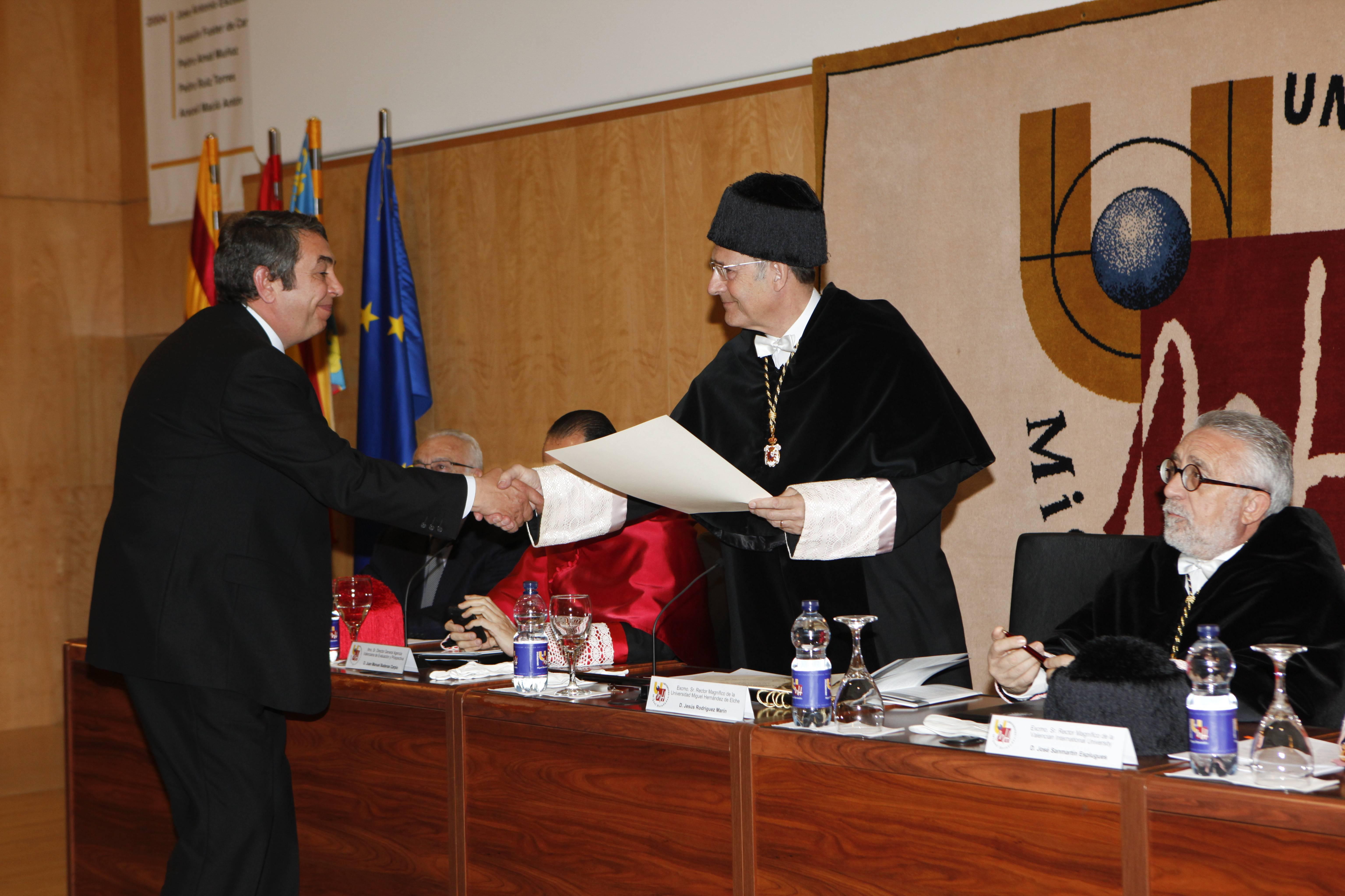 doctor-honoris-causa-luis-gamir_mg_0932.jpg