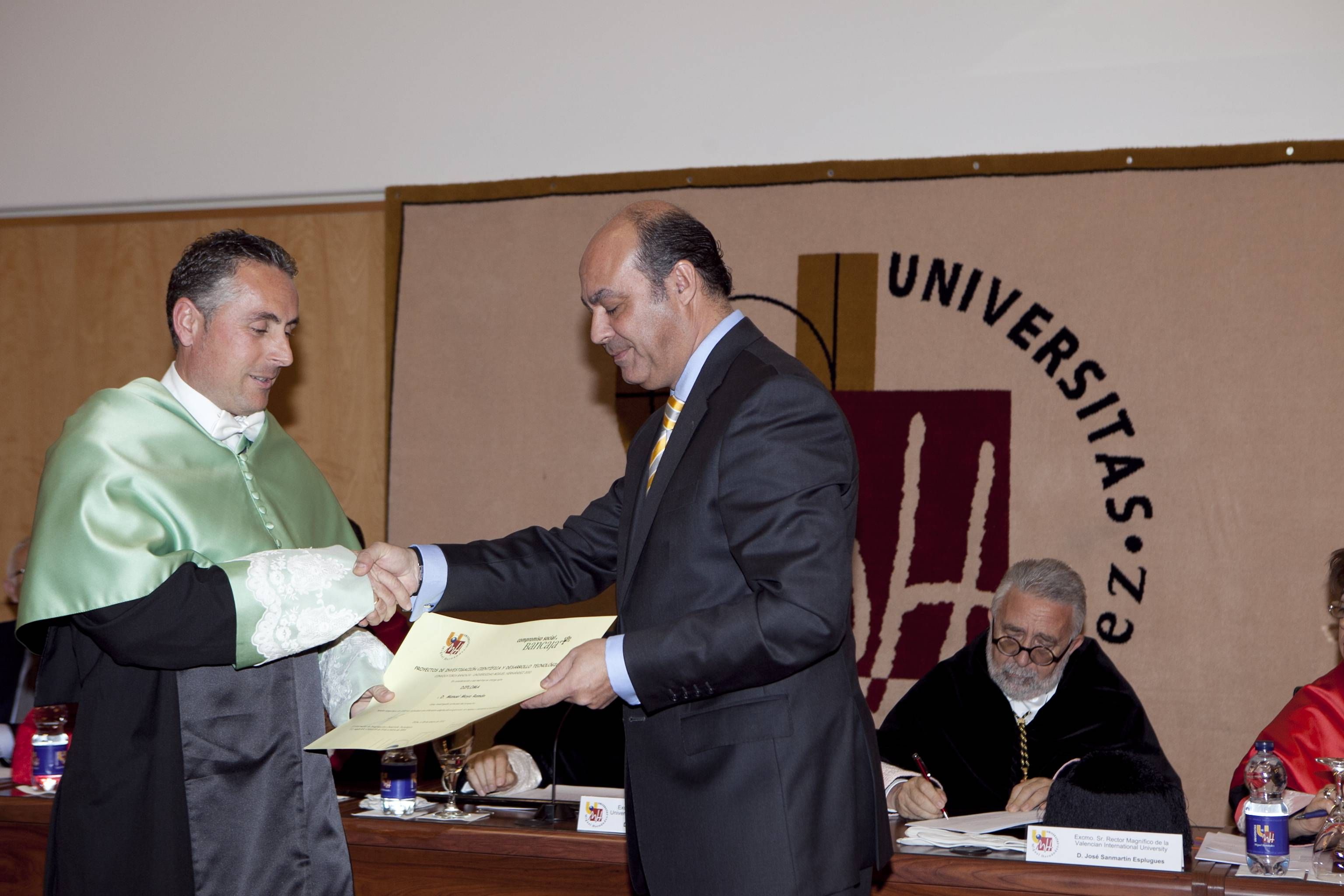 doctor-honoris-causa-luis-gamir_mg_1023.jpg