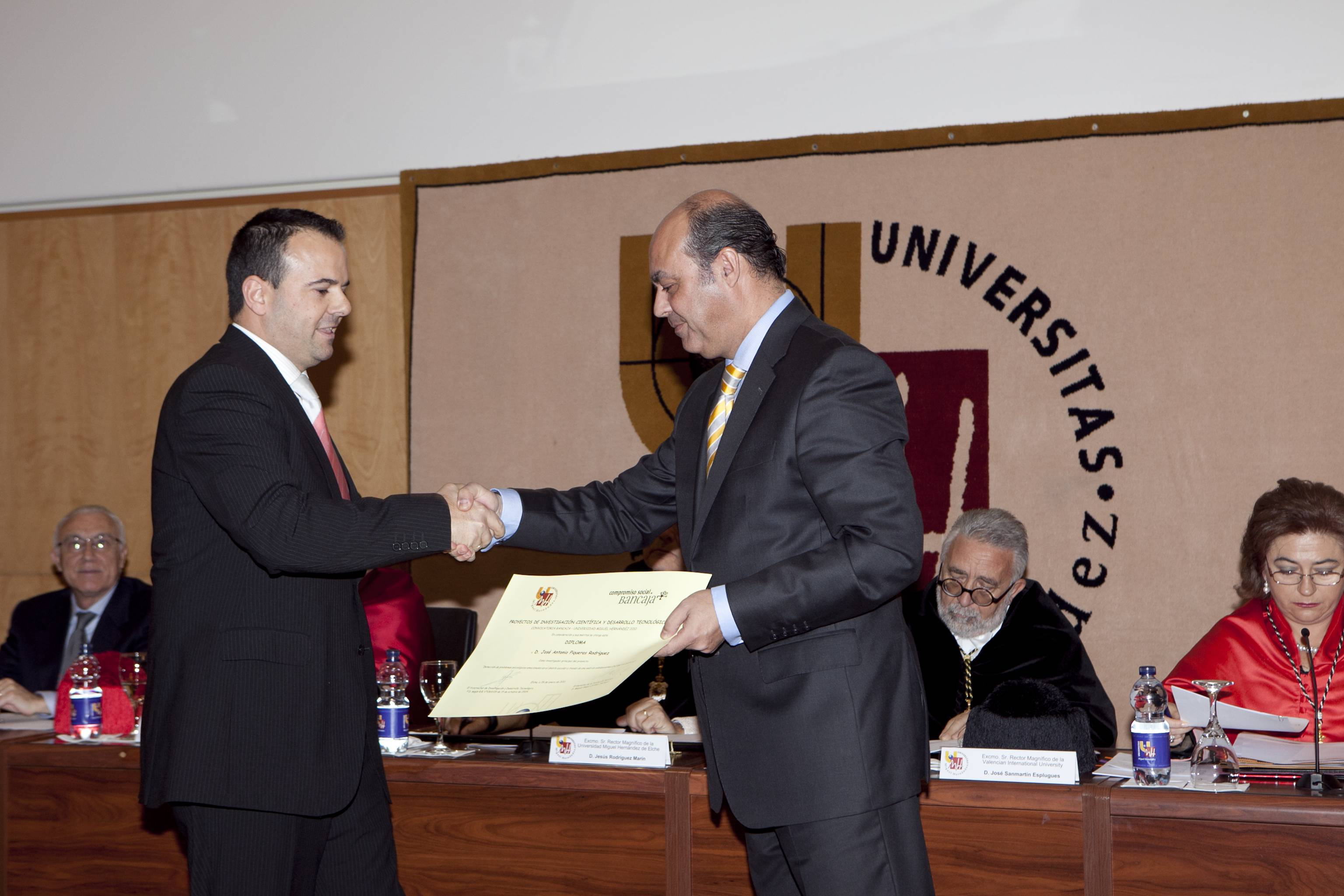 doctor-honoris-causa-luis-gamir_mg_1028.jpg