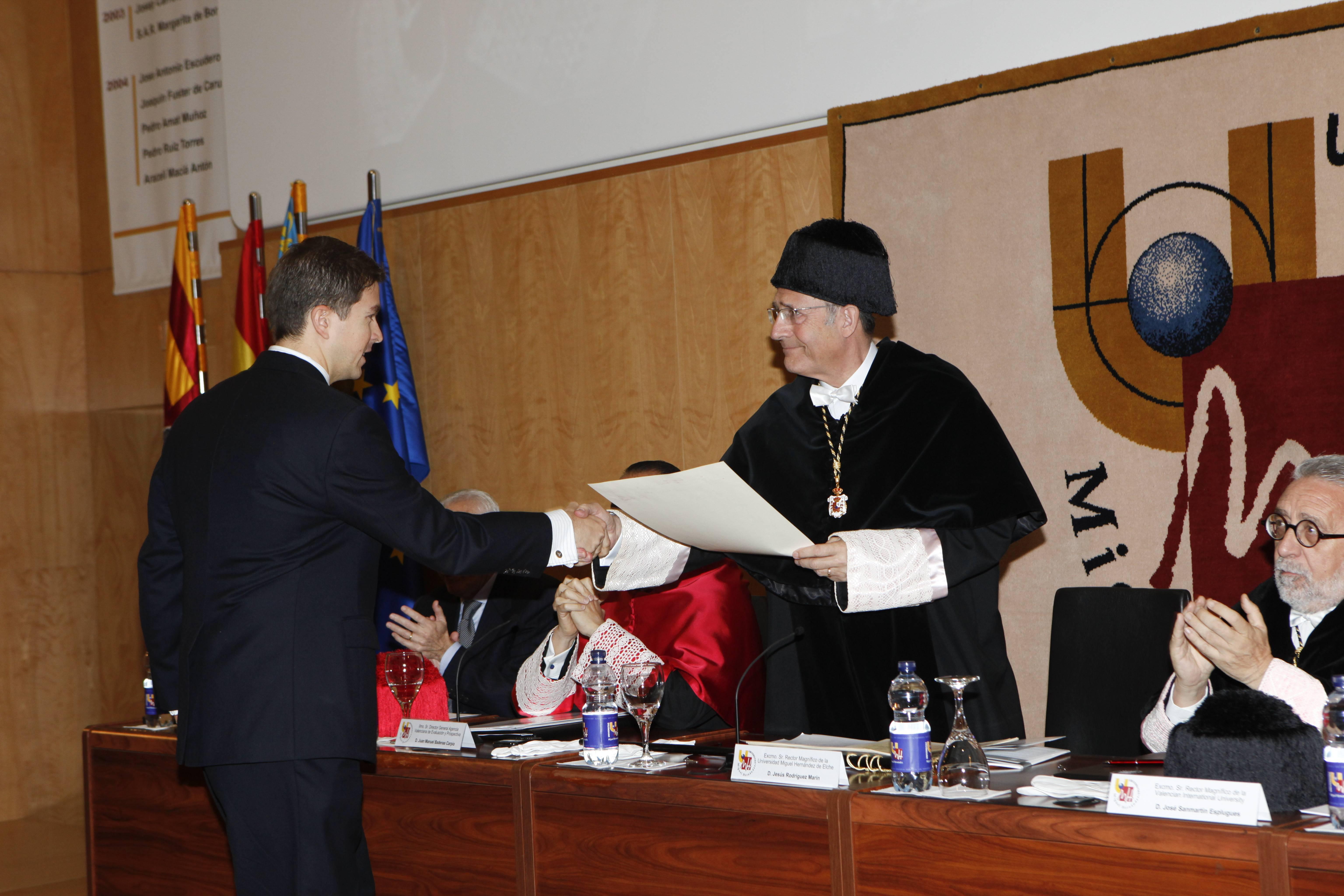 doctor-honoris-causa-luis-gamir_mg_1032.jpg