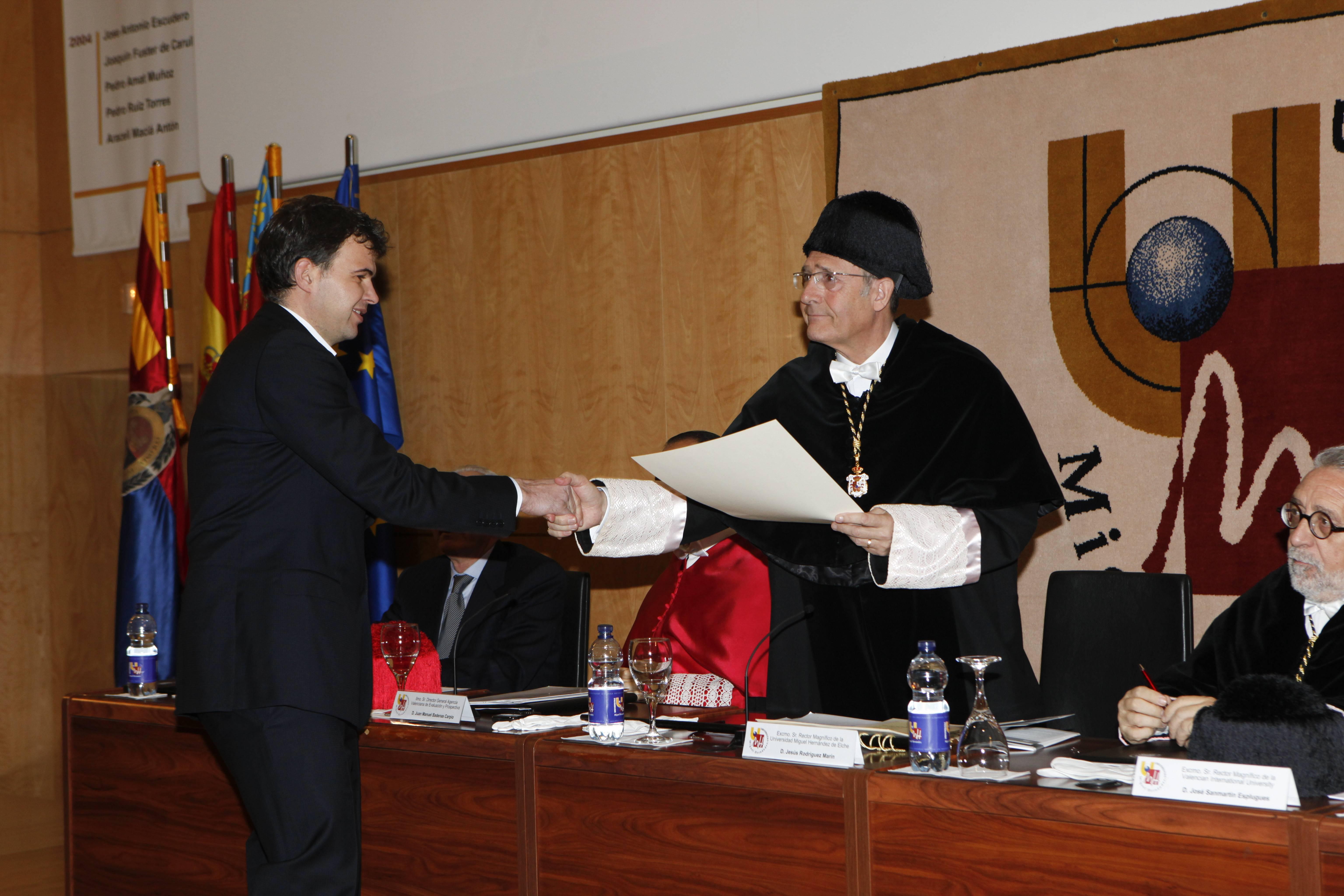 doctor-honoris-causa-luis-gamir_mg_1036.jpg